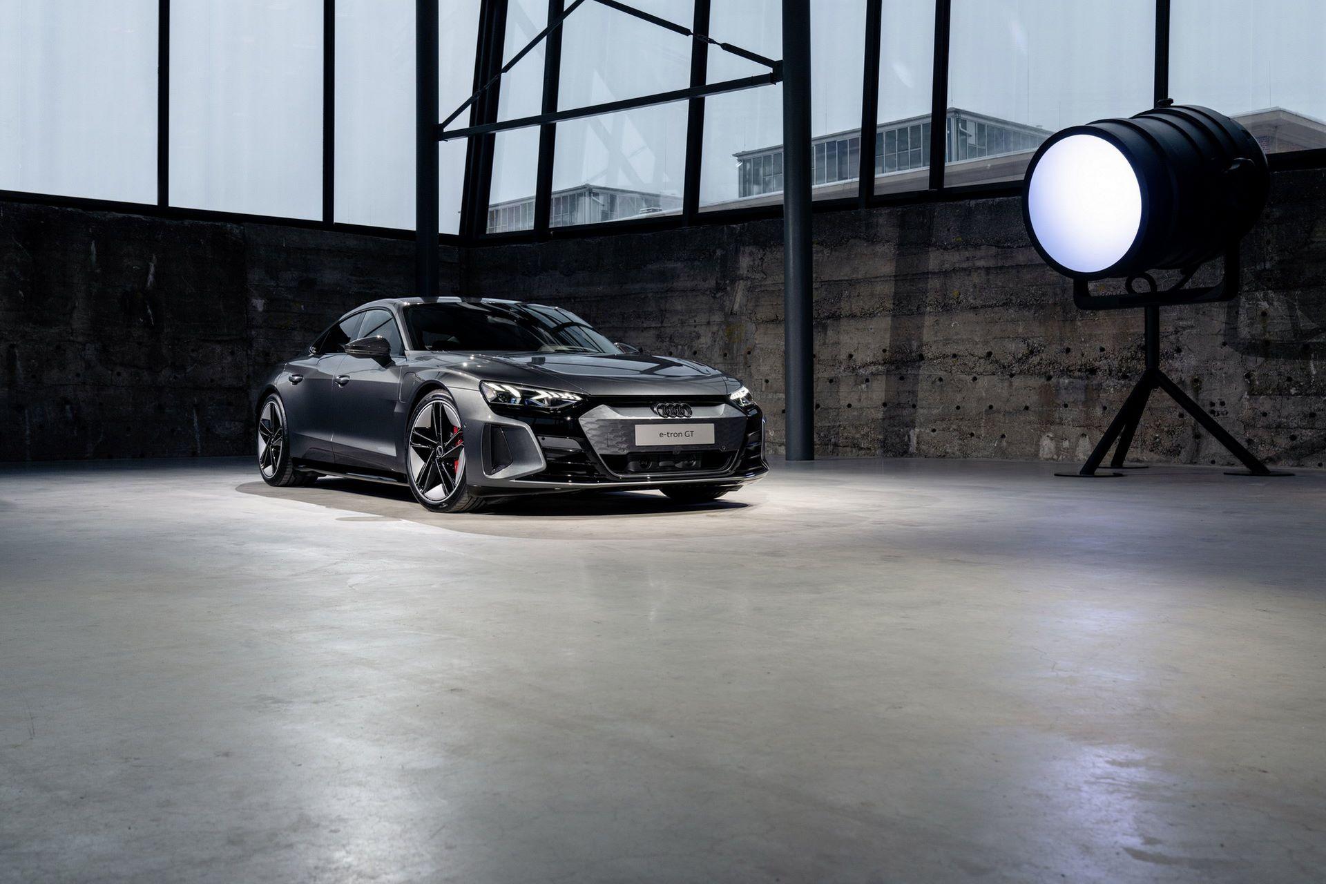 2022-Audi-e-tron-GT-23