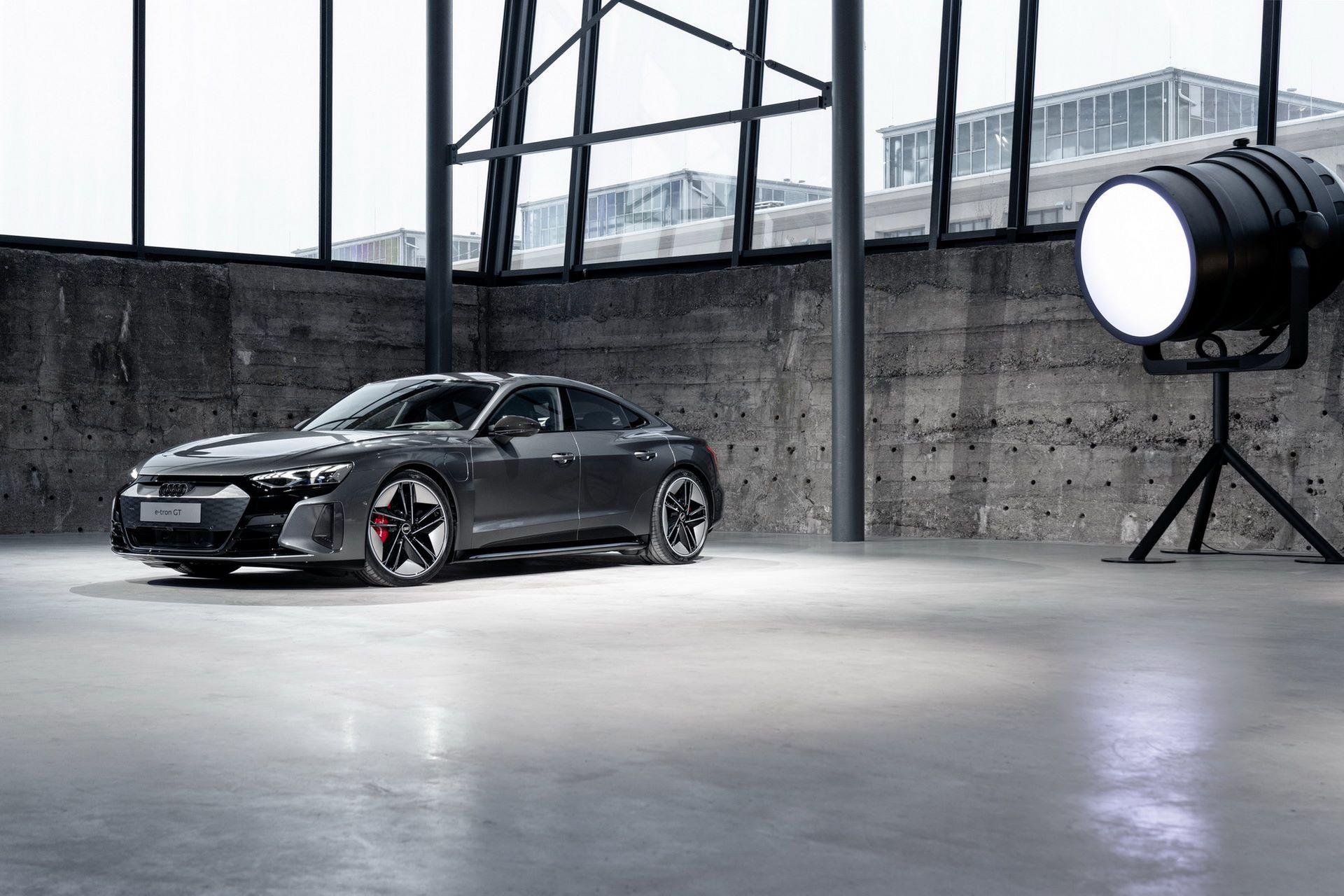2022-Audi-e-tron-GT-26