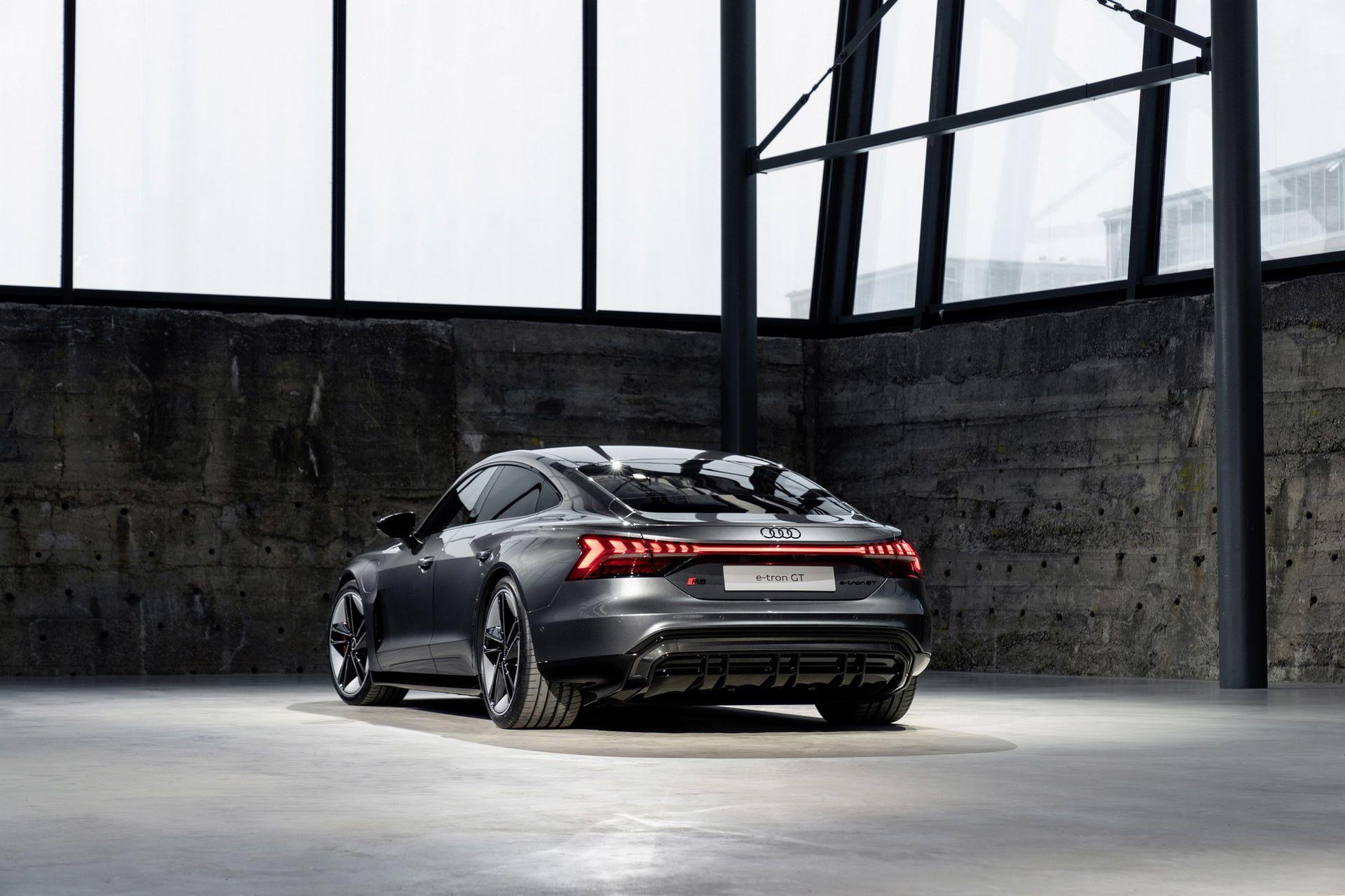 2022-Audi-e-tron-GT-28