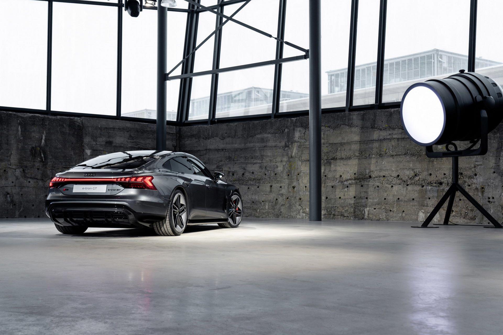 2022-Audi-e-tron-GT-29