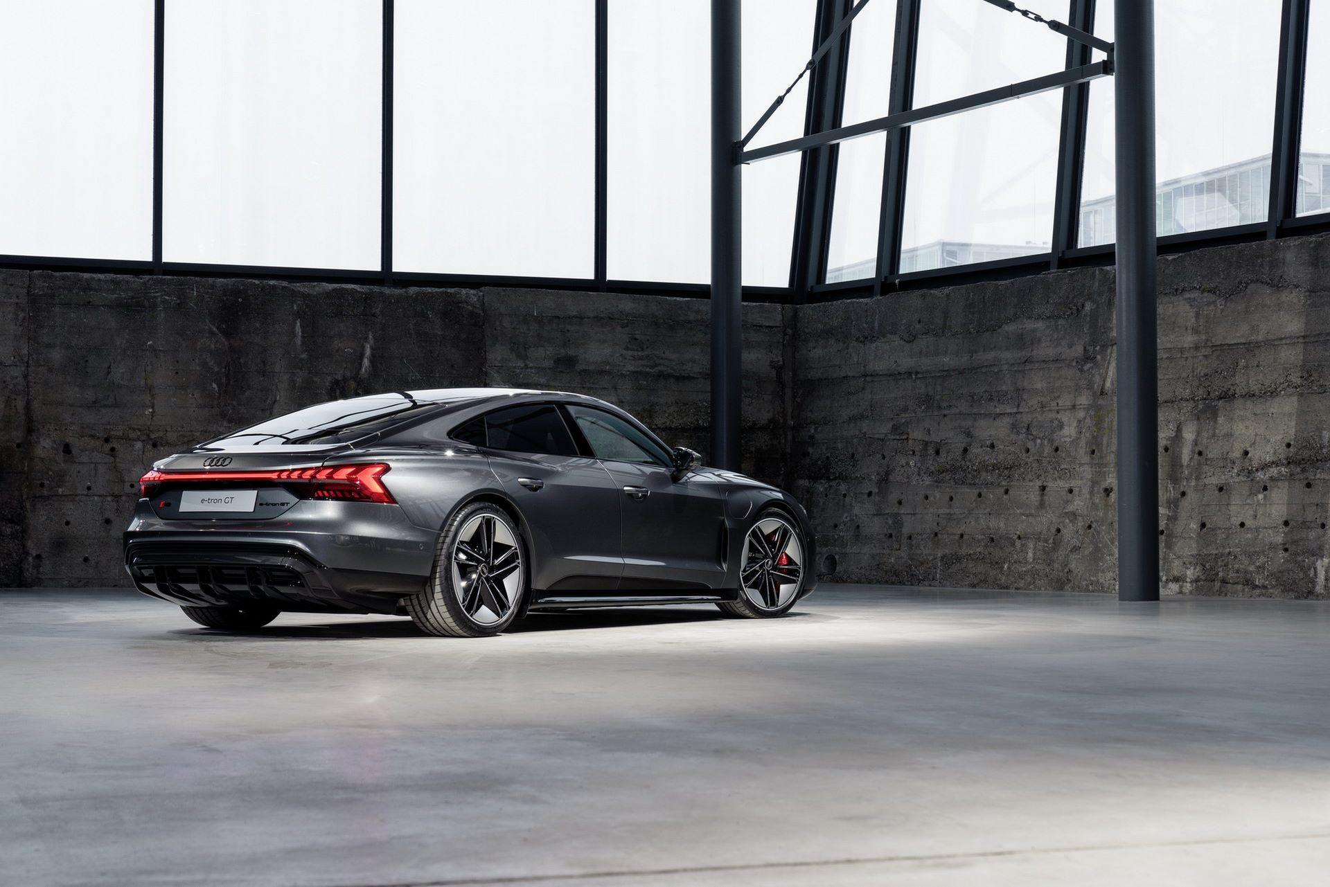 2022-Audi-e-tron-GT-30