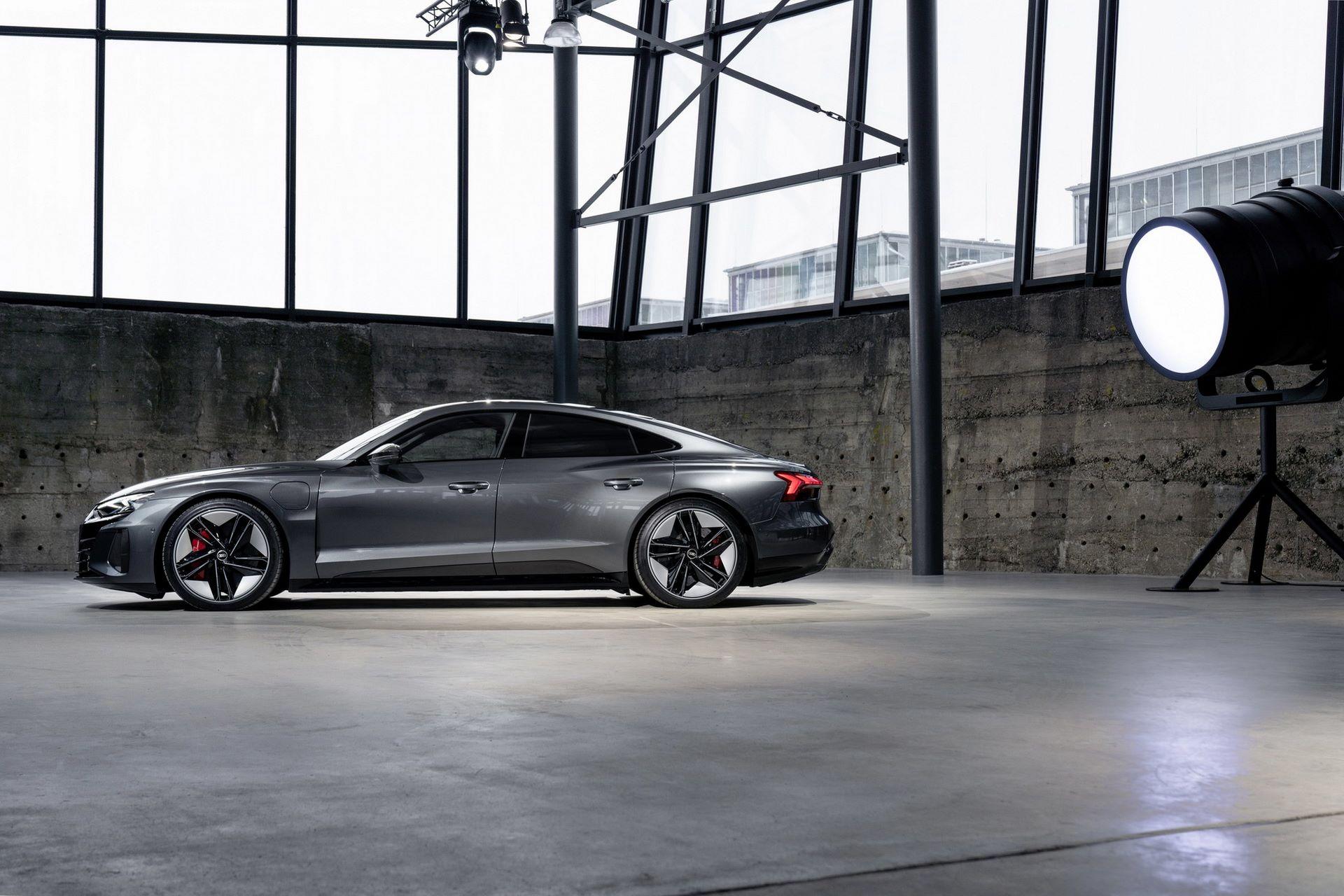 2022-Audi-e-tron-GT-31
