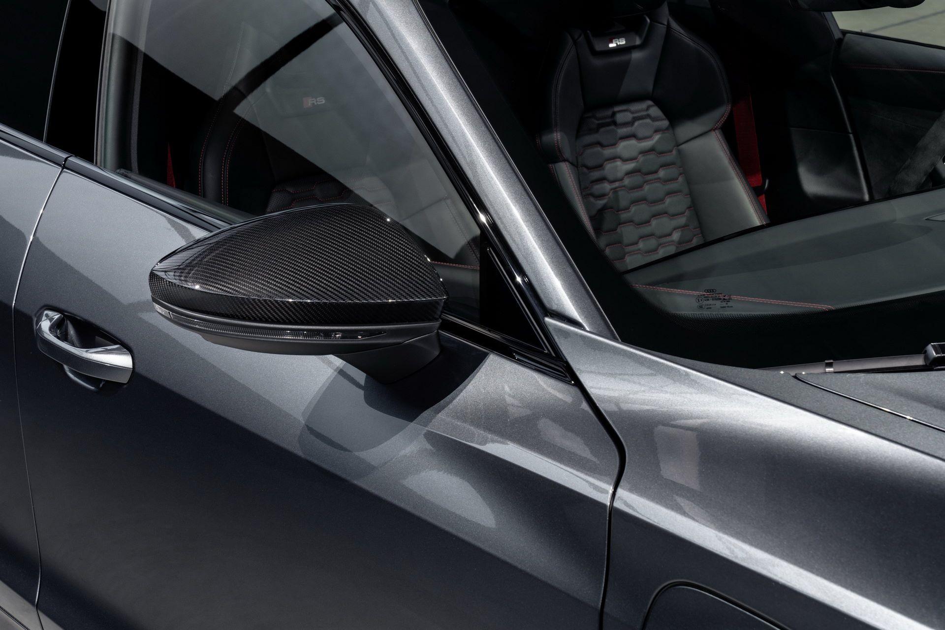 2022-Audi-e-tron-GT-32