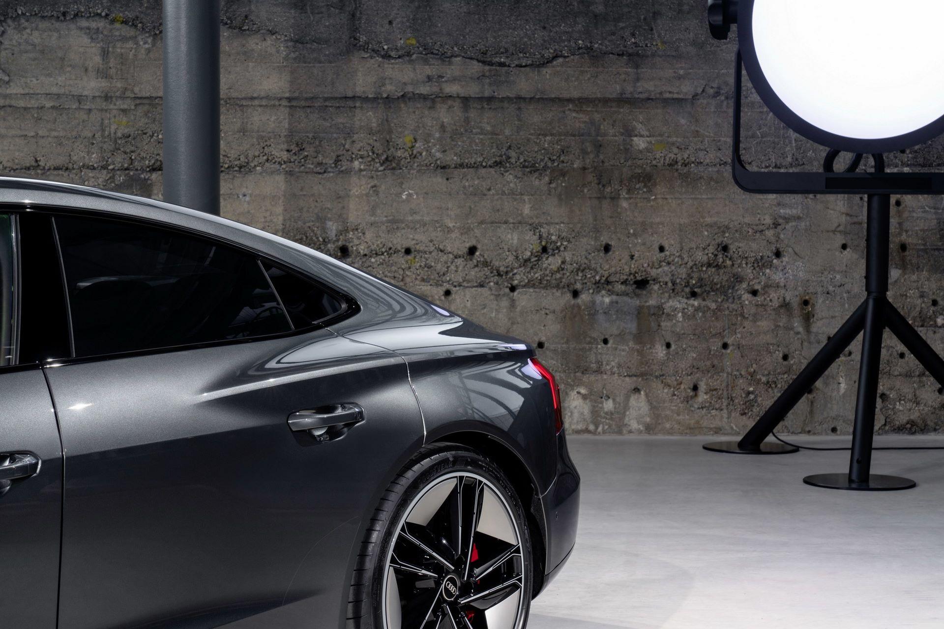 2022-Audi-e-tron-GT-33