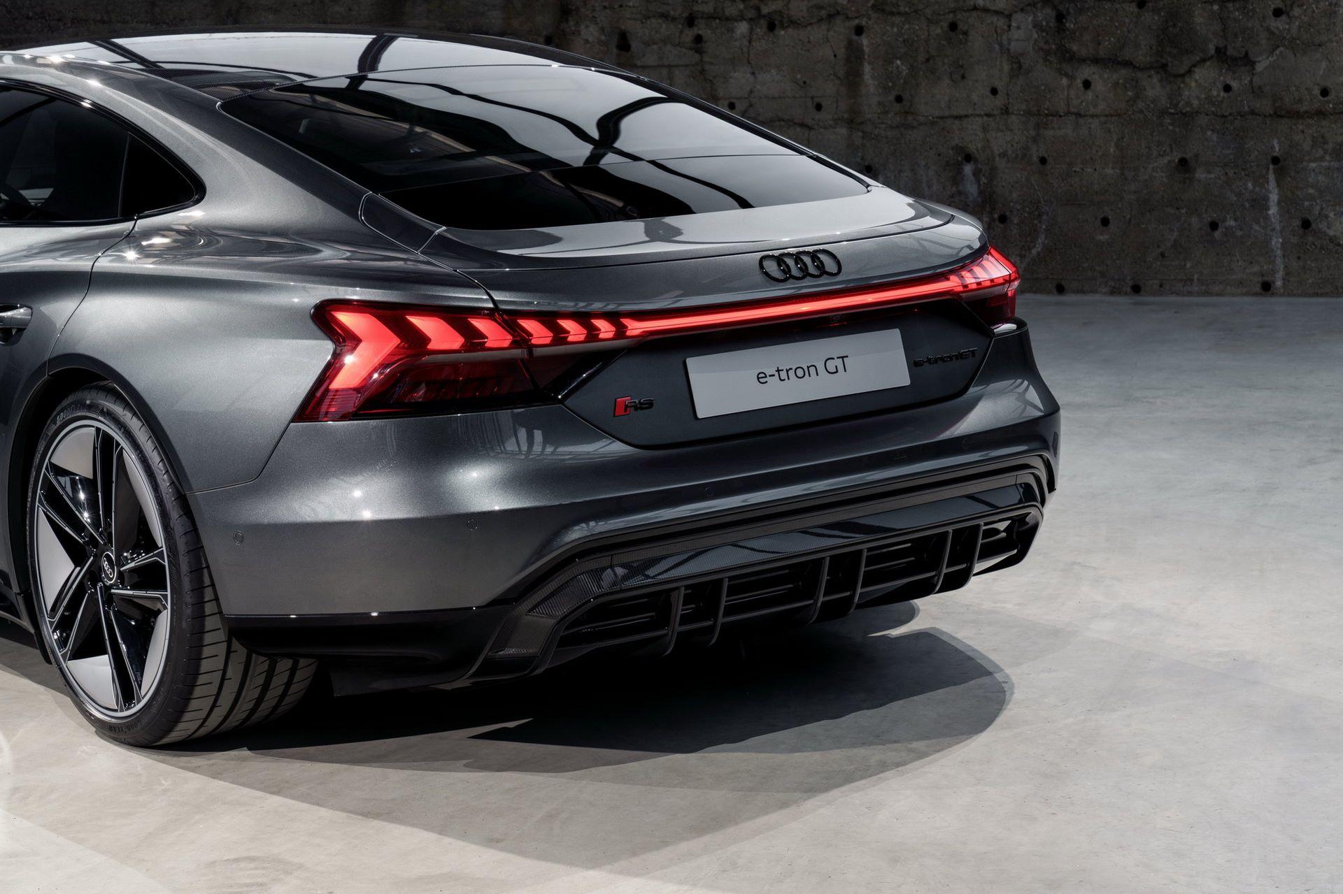 2022-Audi-e-tron-GT-34