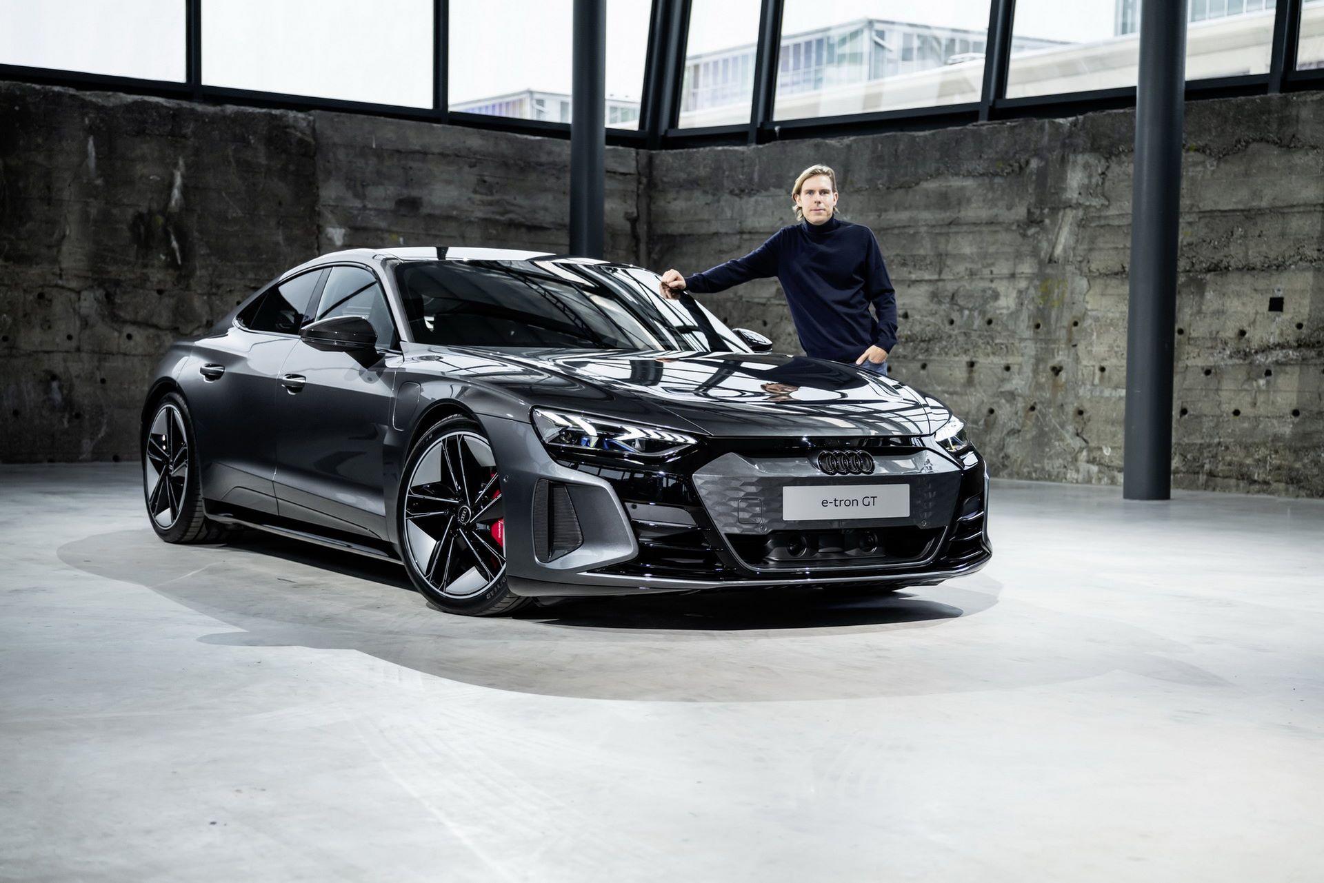 2022-Audi-e-tron-GT-35