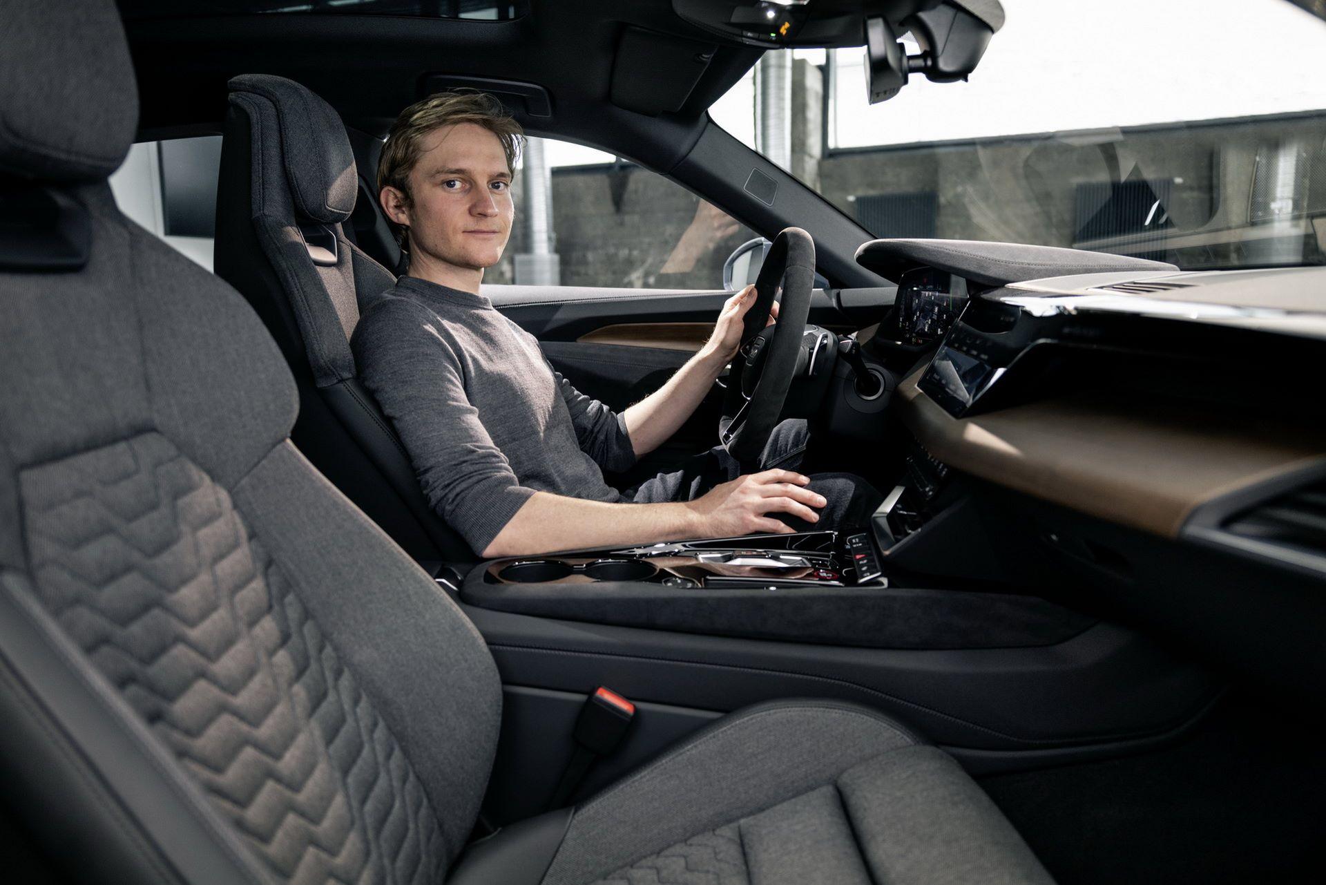 2022-Audi-e-tron-GT-38