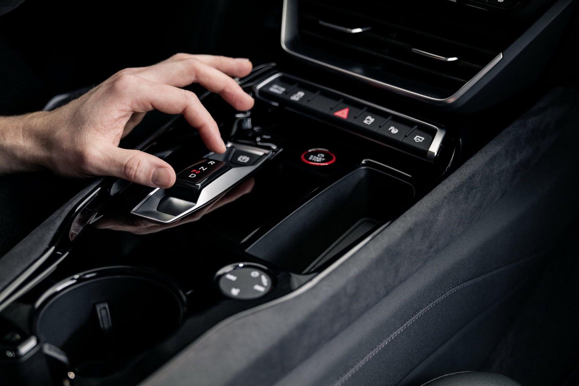 2022-Audi-e-tron-GT-39