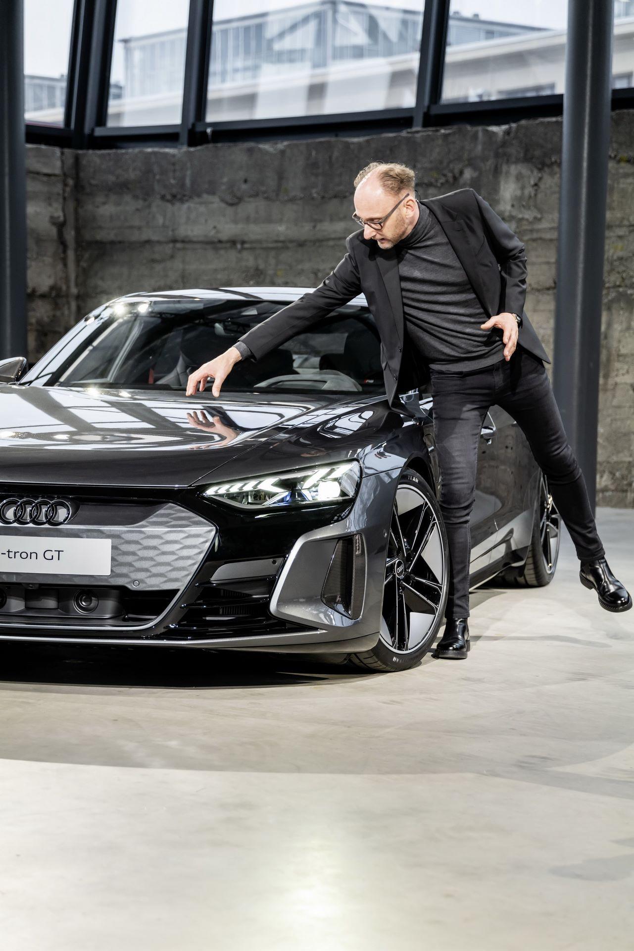 2022-Audi-e-tron-GT-44