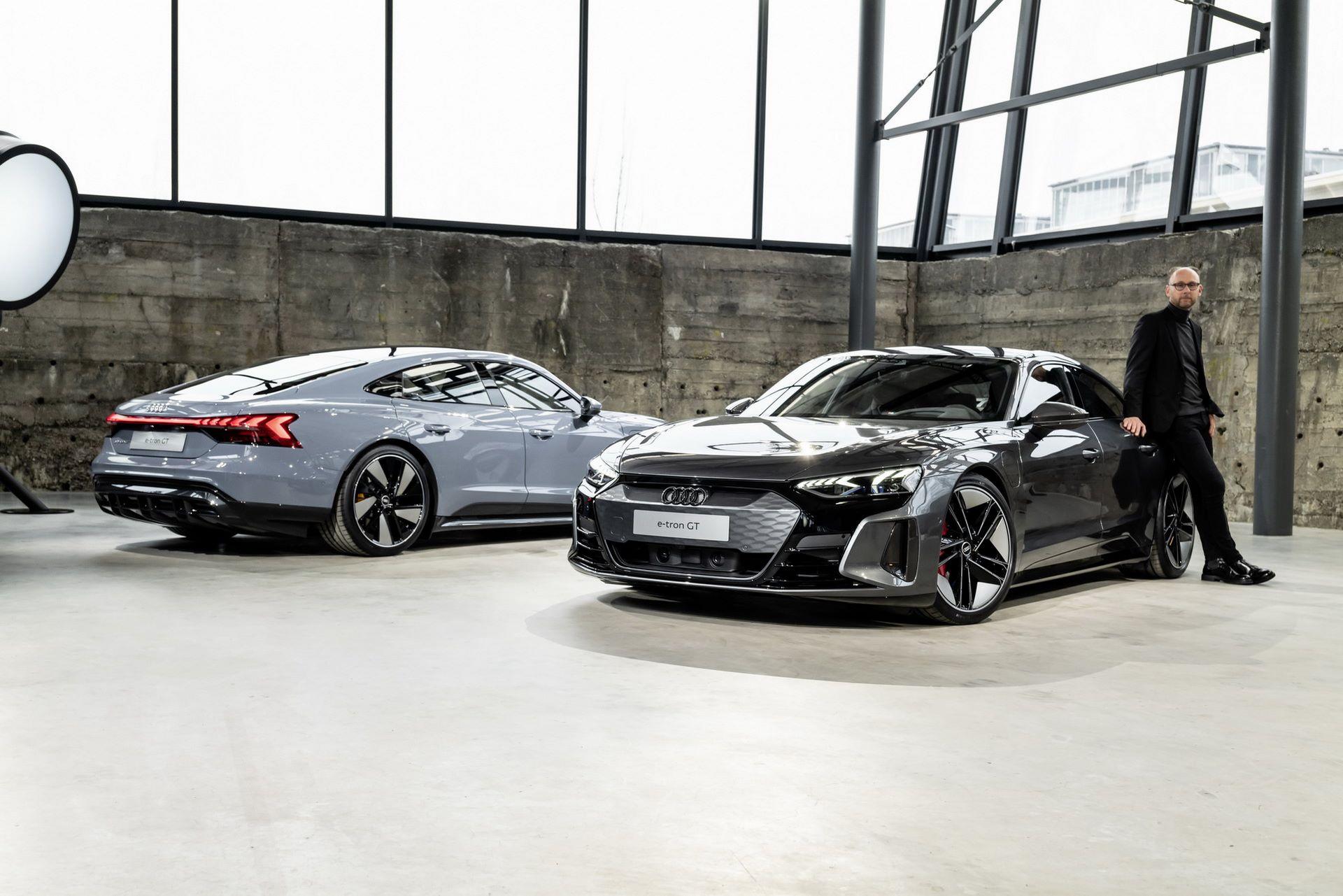2022-Audi-e-tron-GT-45