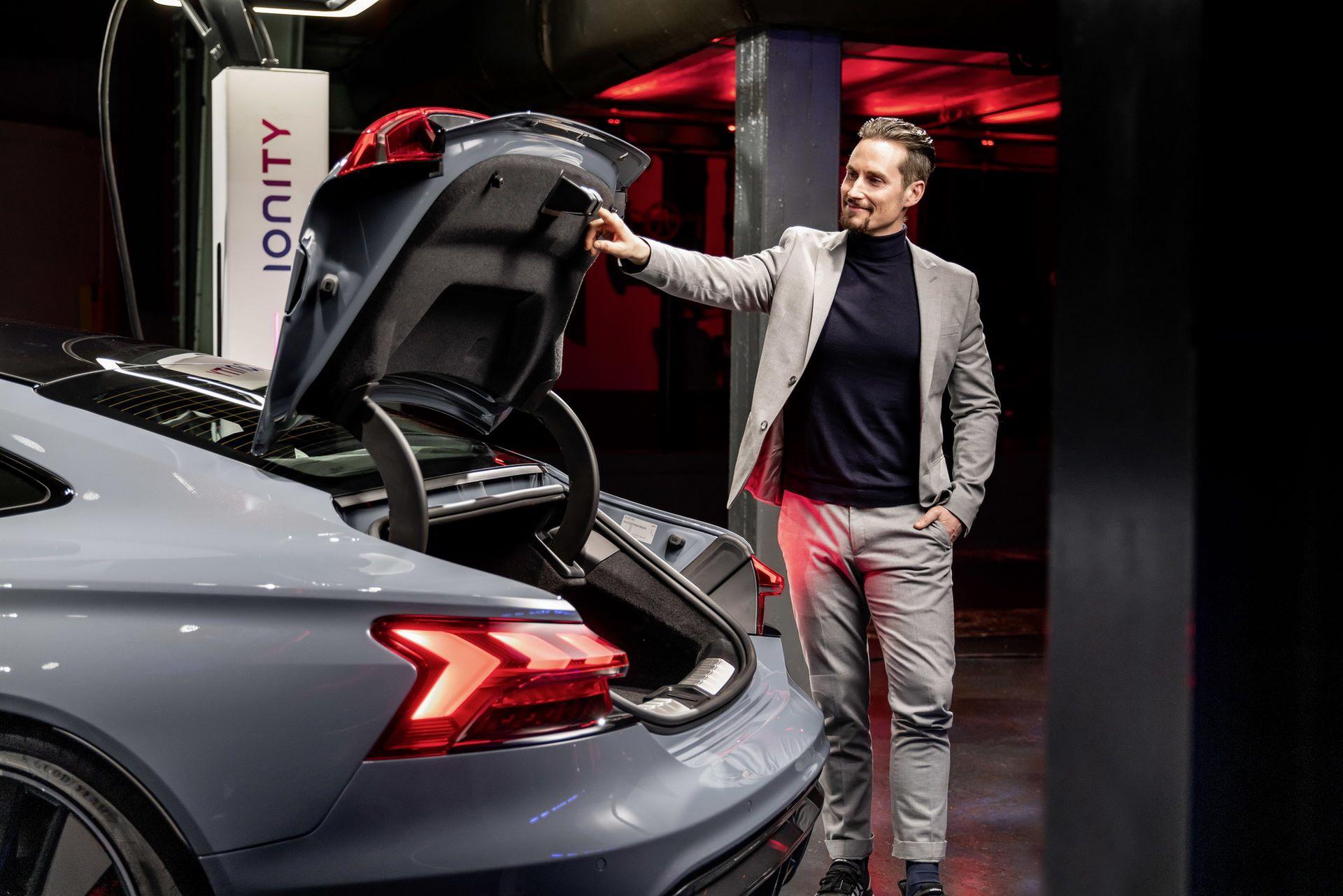 2022-Audi-e-tron-GT-49