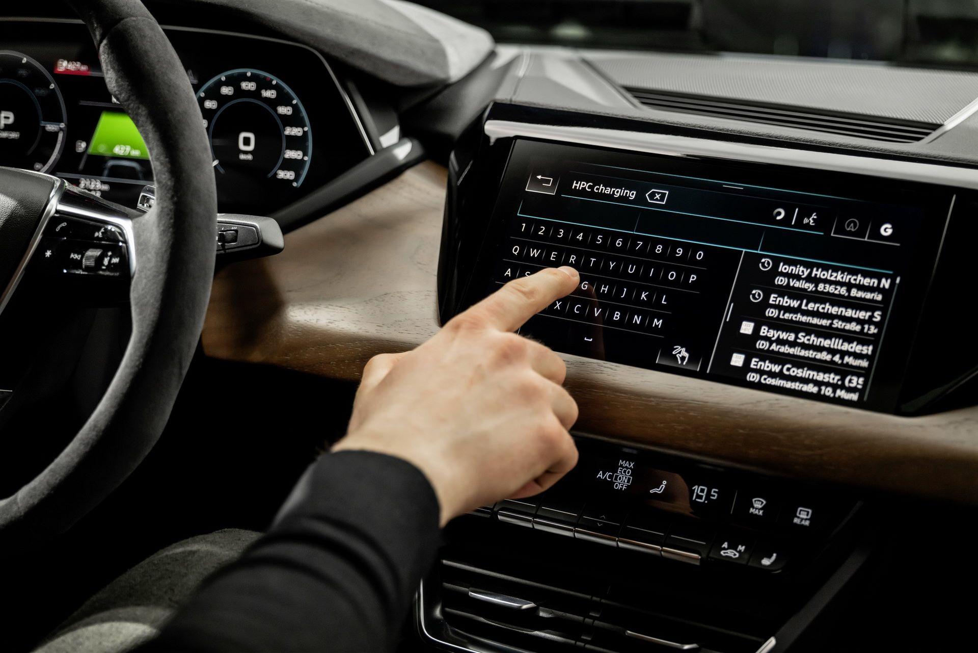 2022-Audi-e-tron-GT-53
