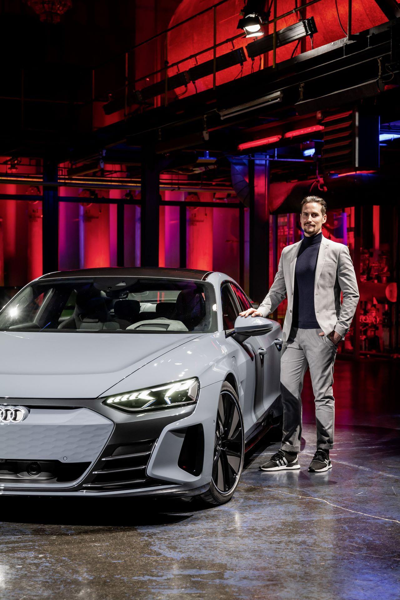 2022-Audi-e-tron-GT-54