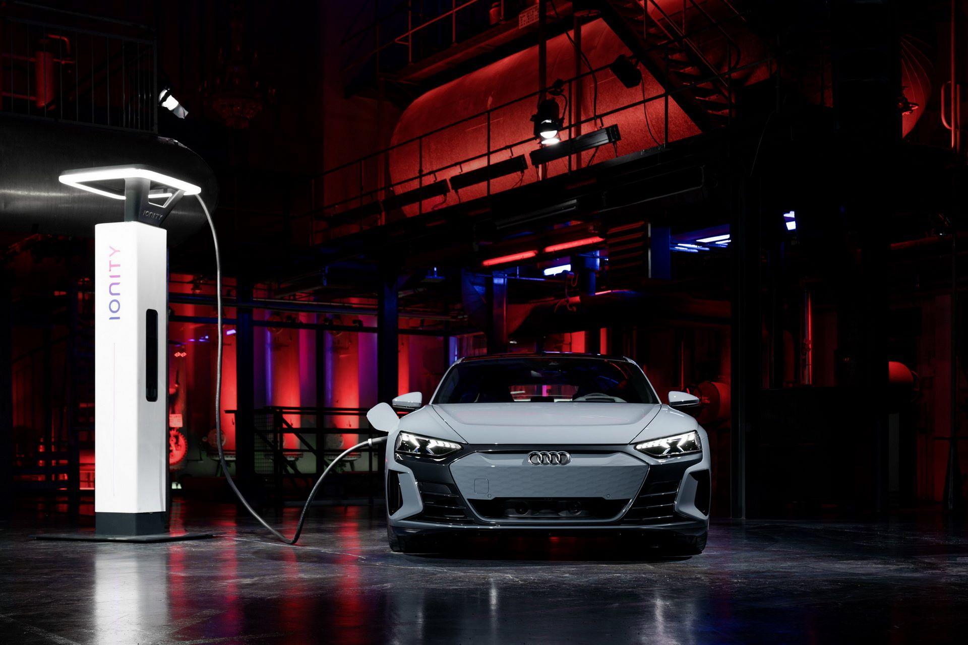 2022-Audi-e-tron-GT-56
