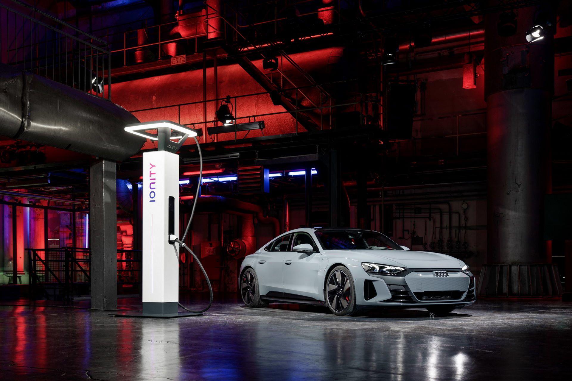 2022-Audi-e-tron-GT-57