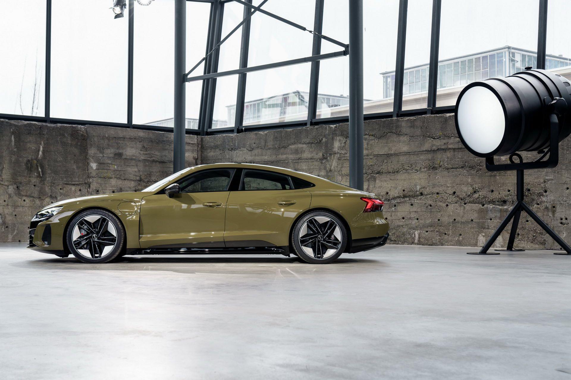 2022-Audi-e-tron-GT-6