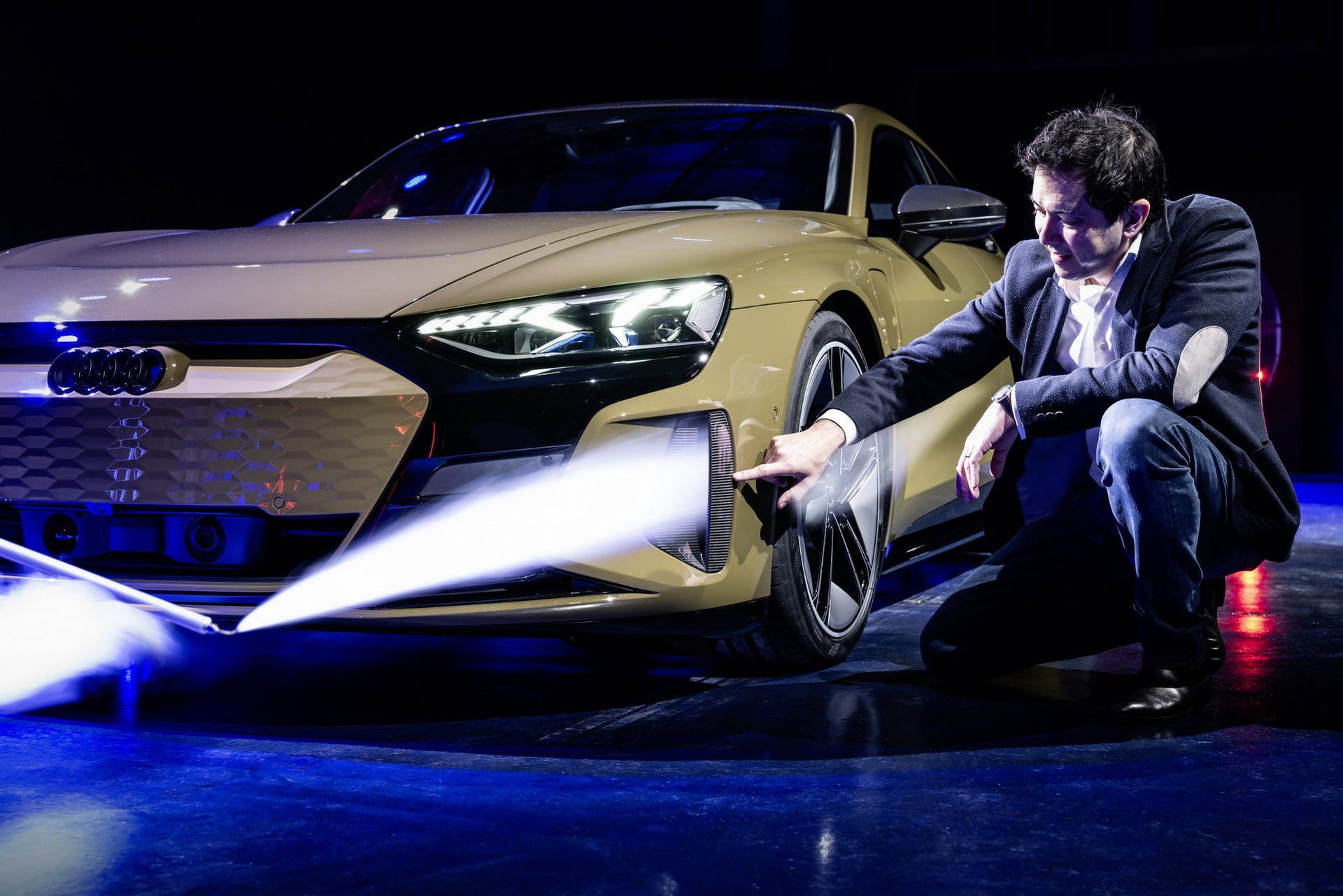 2022-Audi-e-tron-GT-67