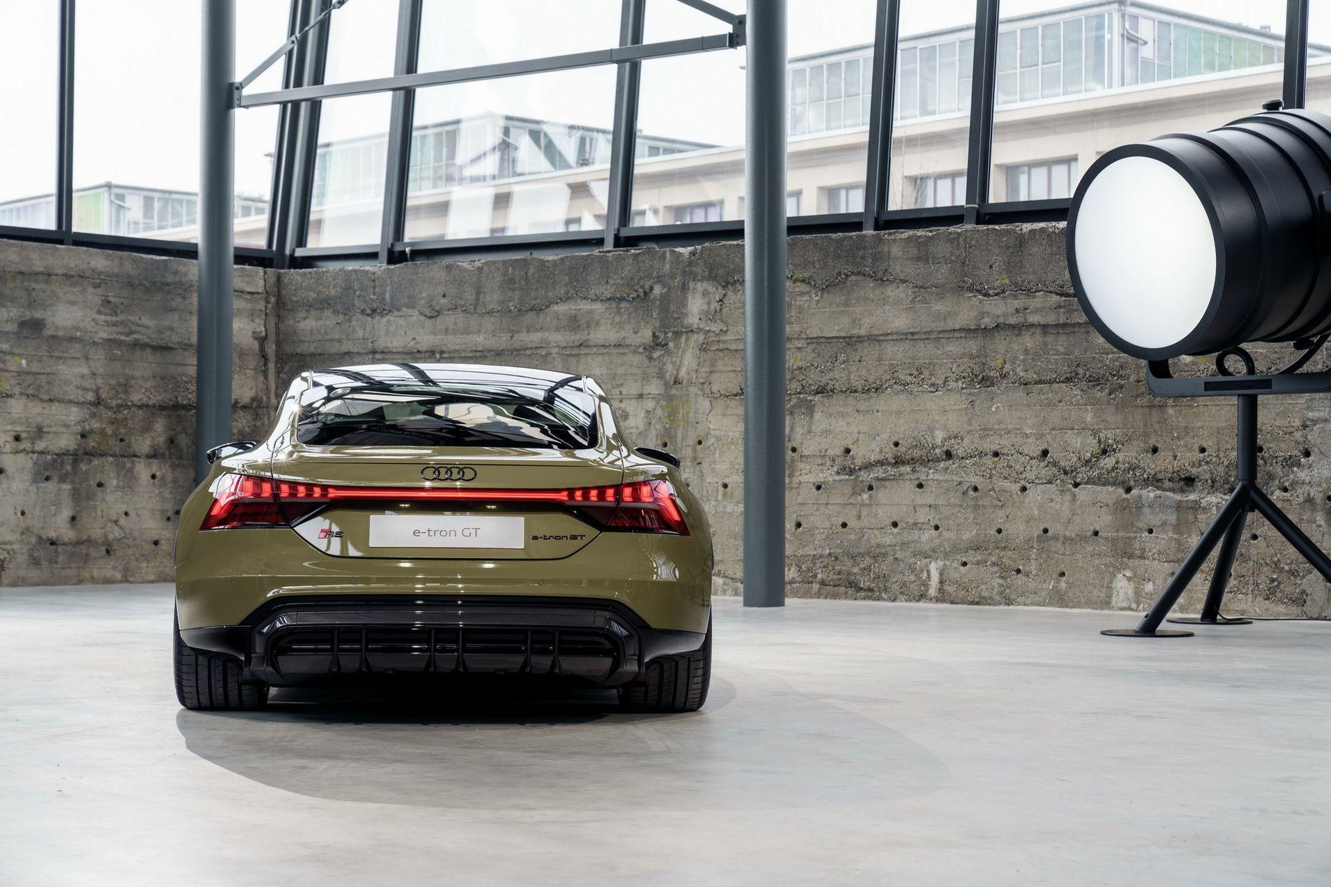 2022-Audi-e-tron-GT-7