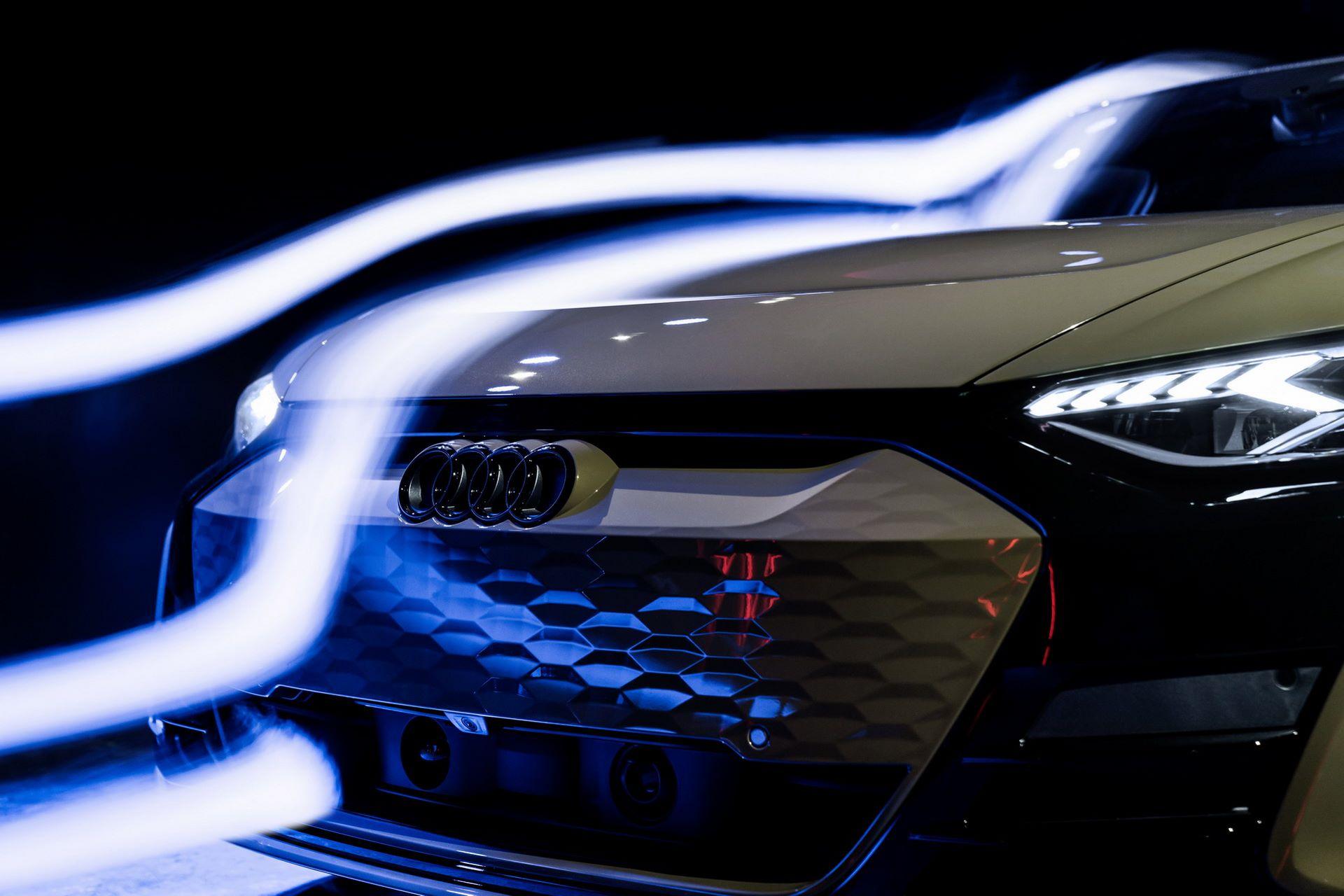 2022-Audi-e-tron-GT-70