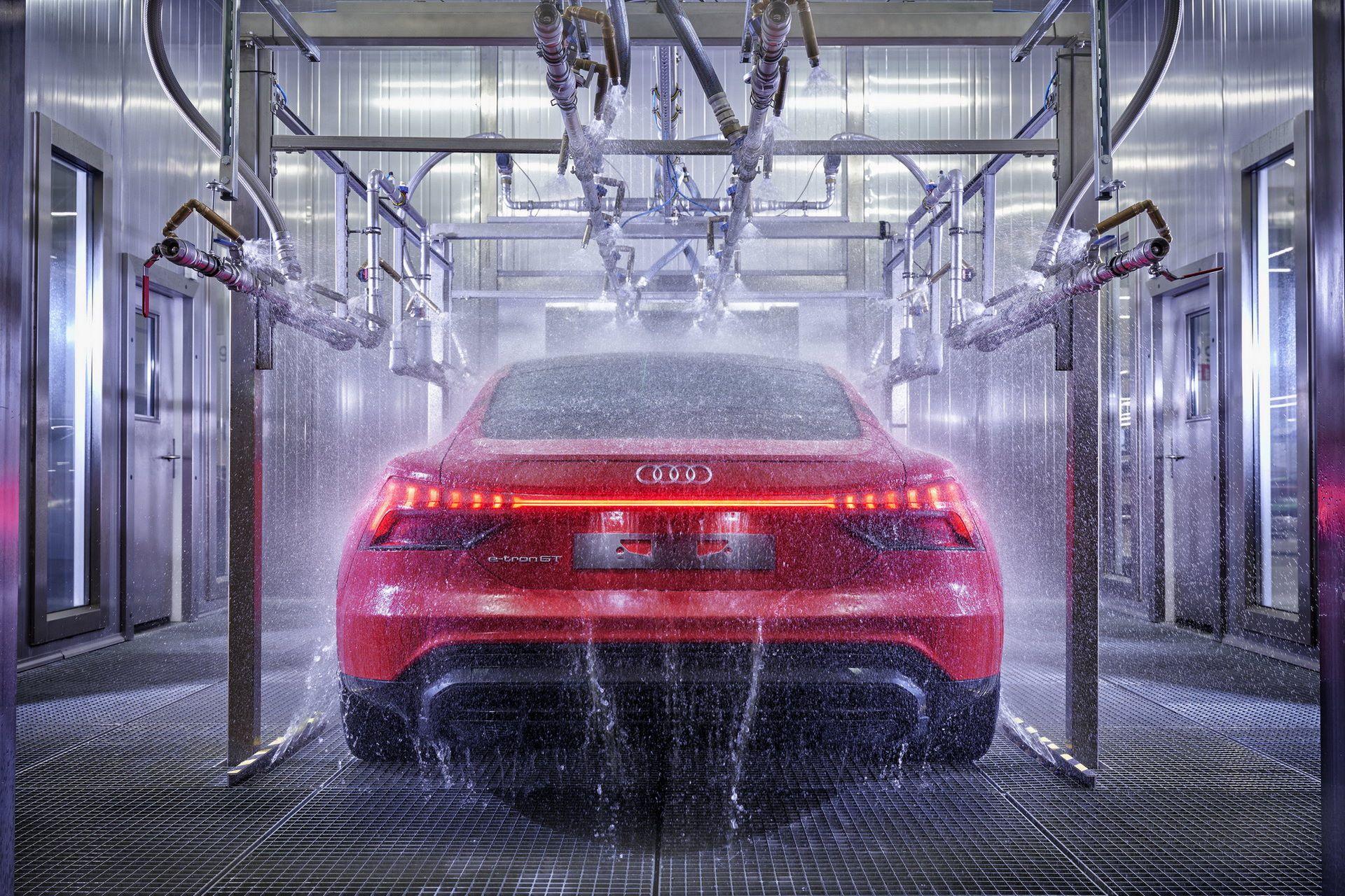 2022-Audi-e-tron-GT-plant-11