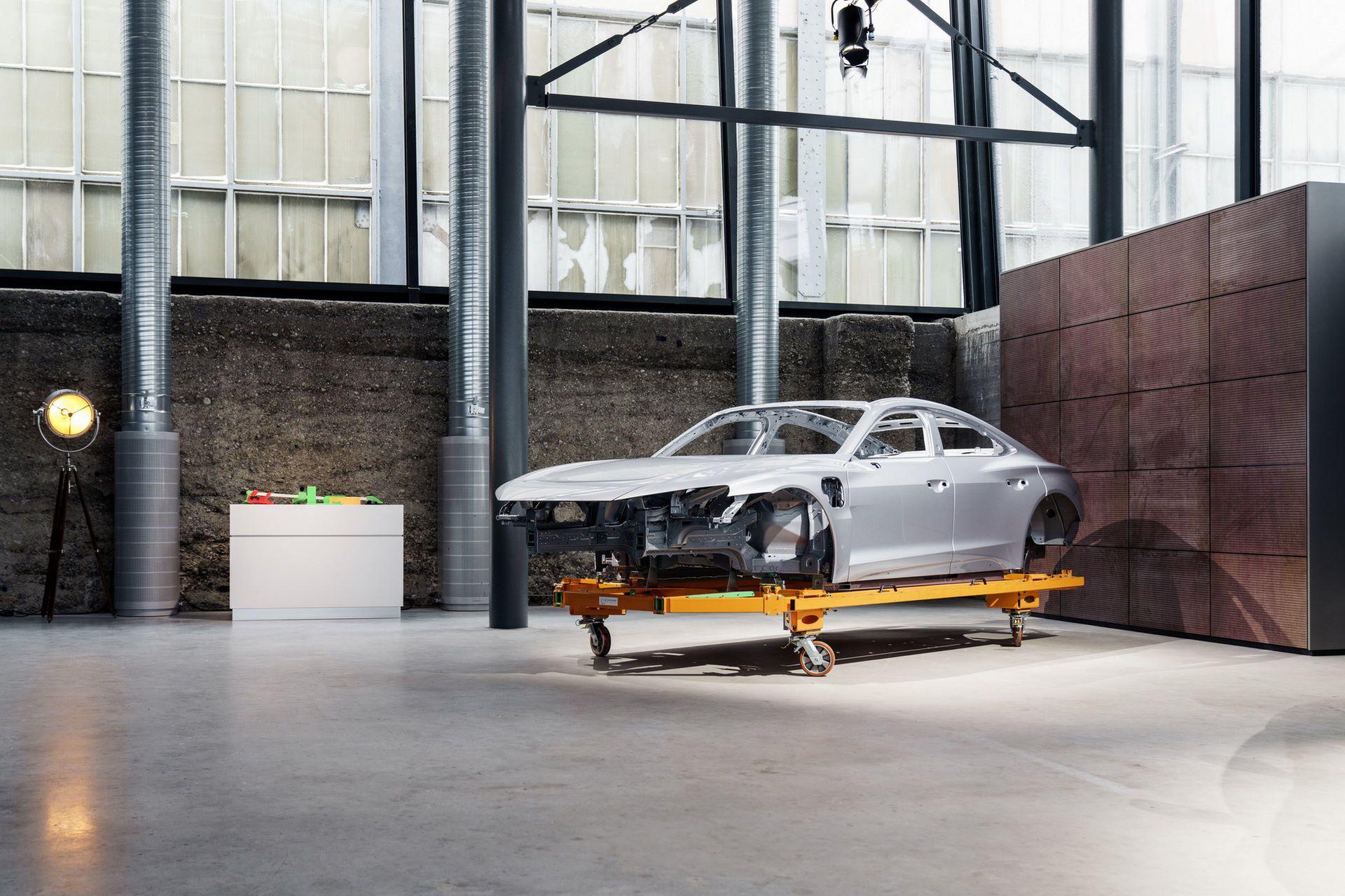 2022-Audi-e-tron-GT-plant-14