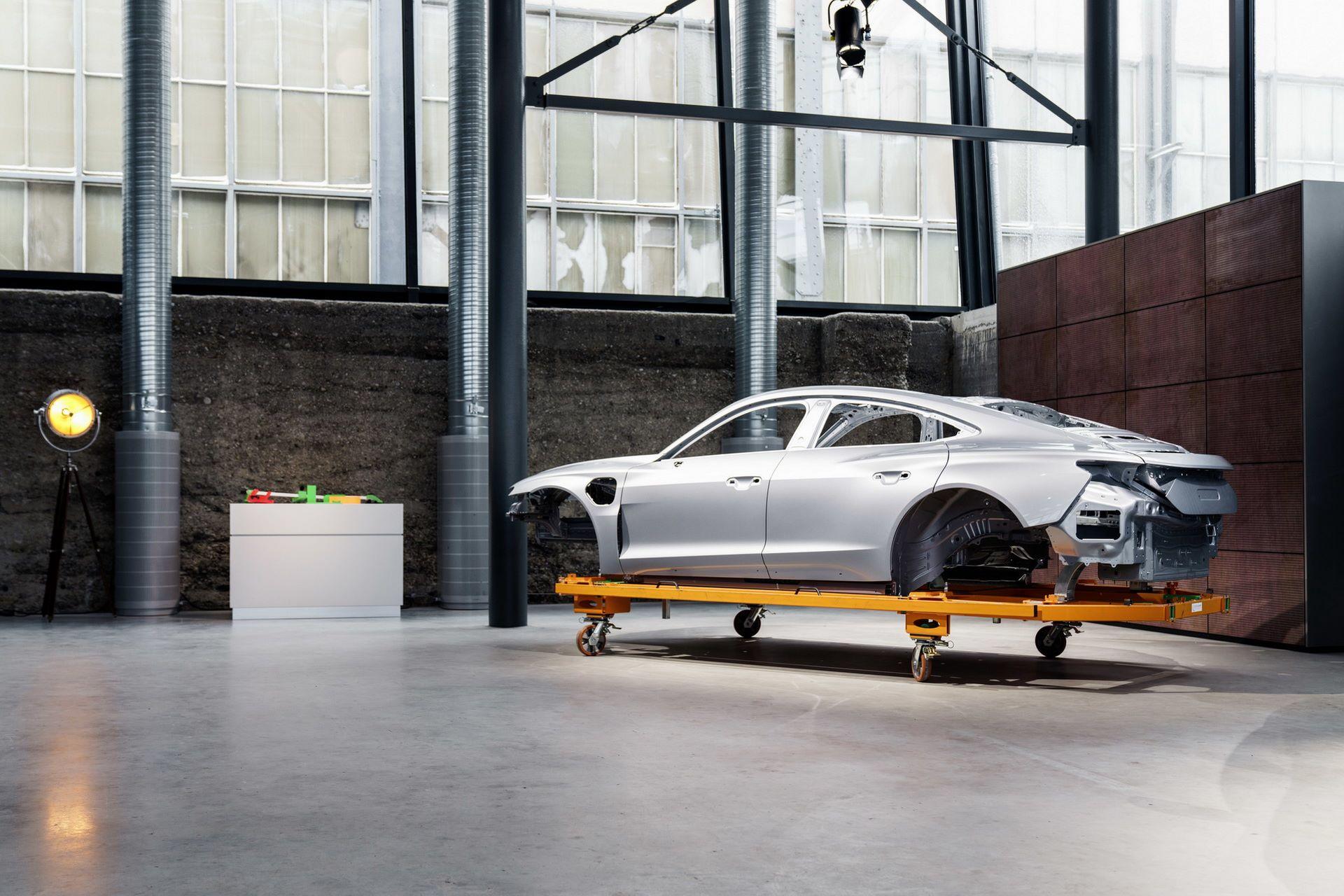 2022-Audi-e-tron-GT-plant-15