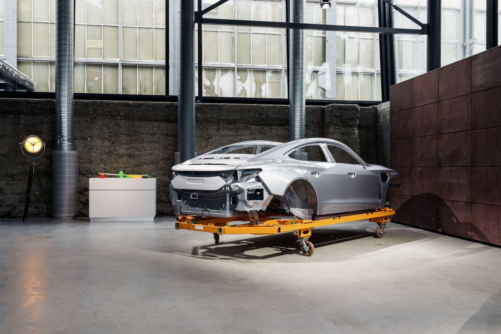 2022-Audi-e-tron-GT-plant-18