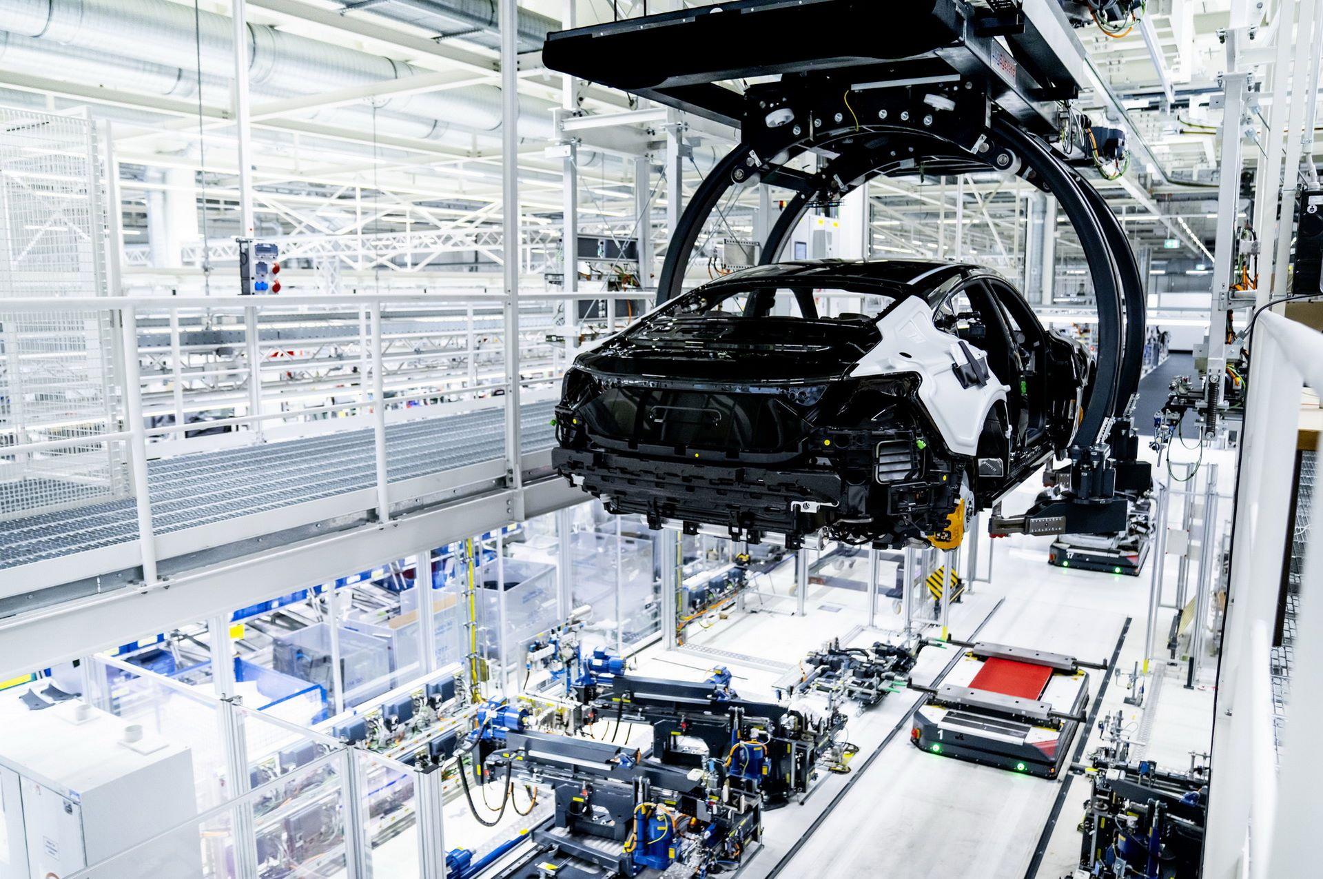 2022-Audi-e-tron-GT-plant-3