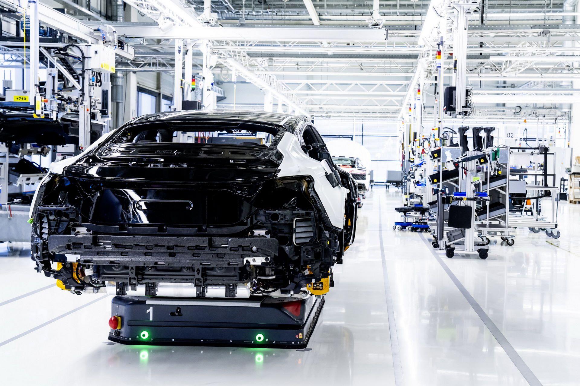 2022-Audi-e-tron-GT-plant-4