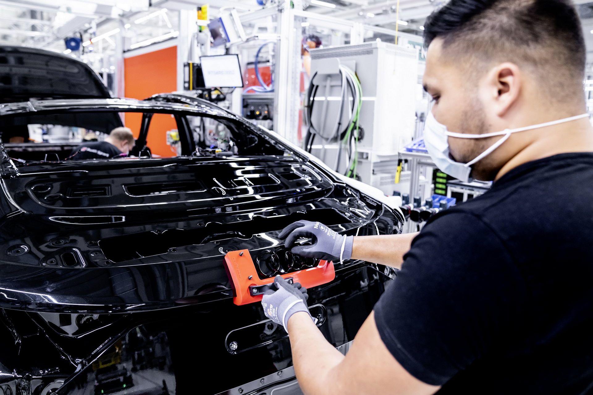 2022-Audi-e-tron-GT-plant-5