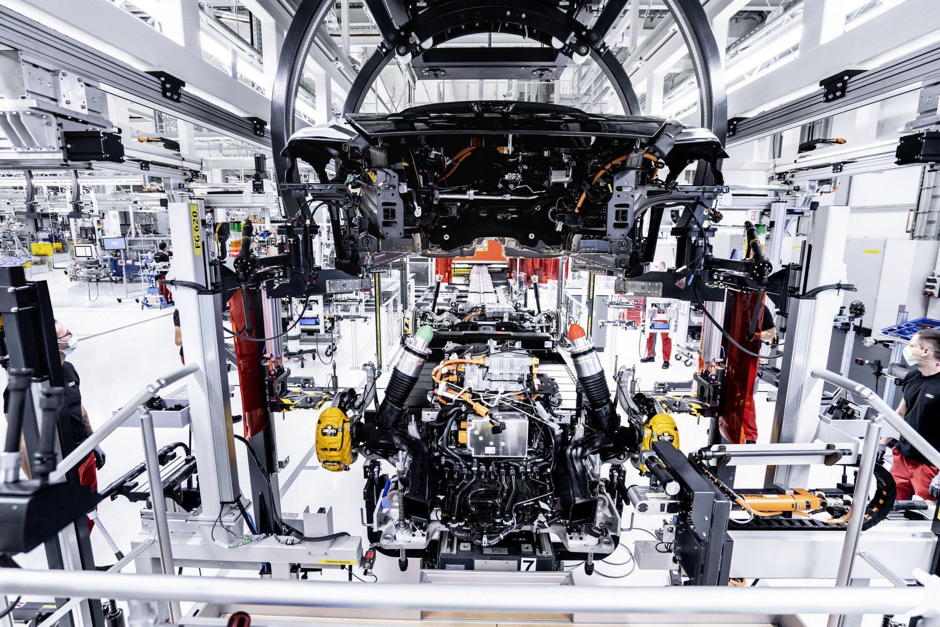 2022-Audi-e-tron-GT-plant-7