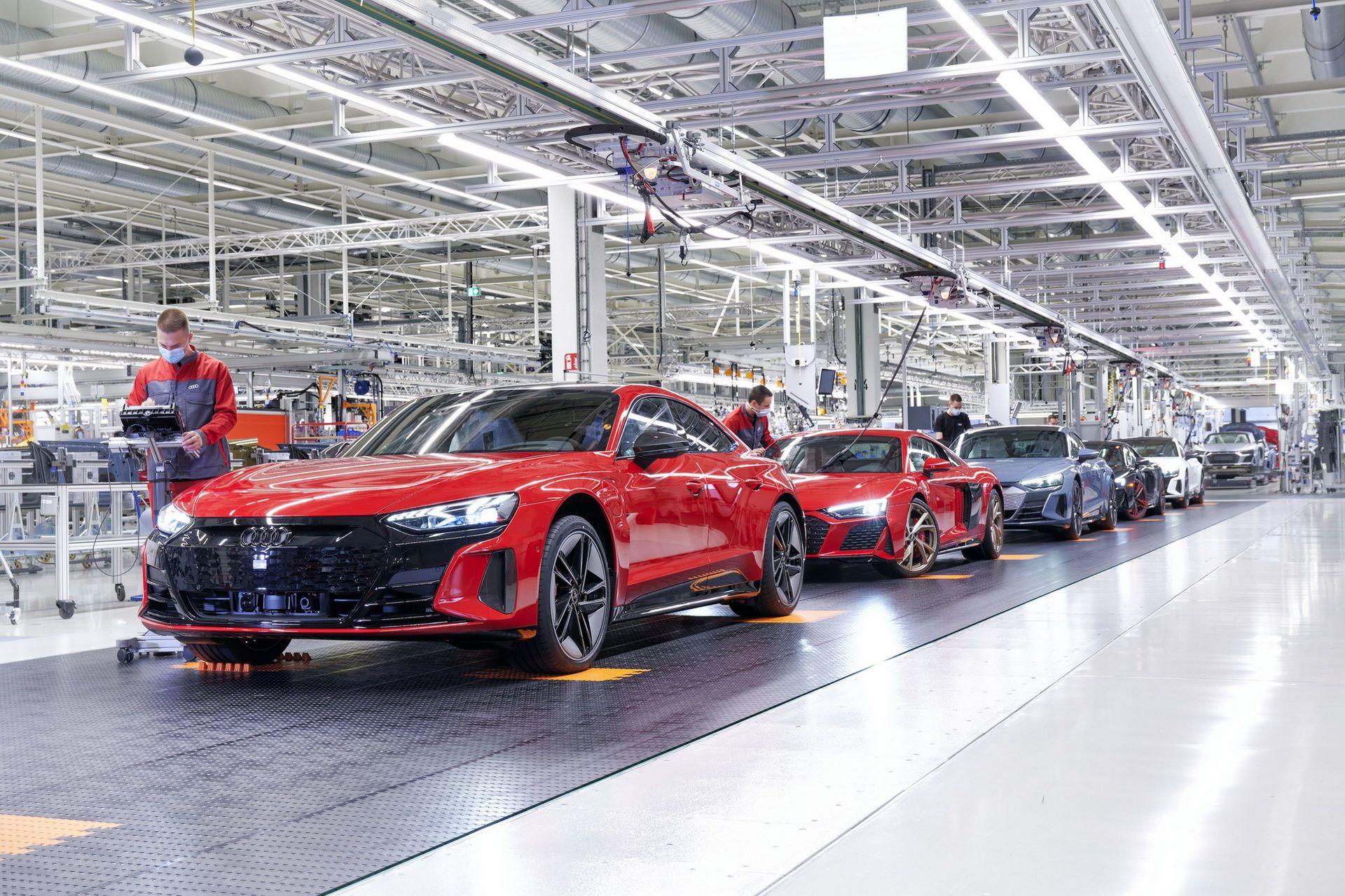 2022-Audi-e-tron-GT-plant-8