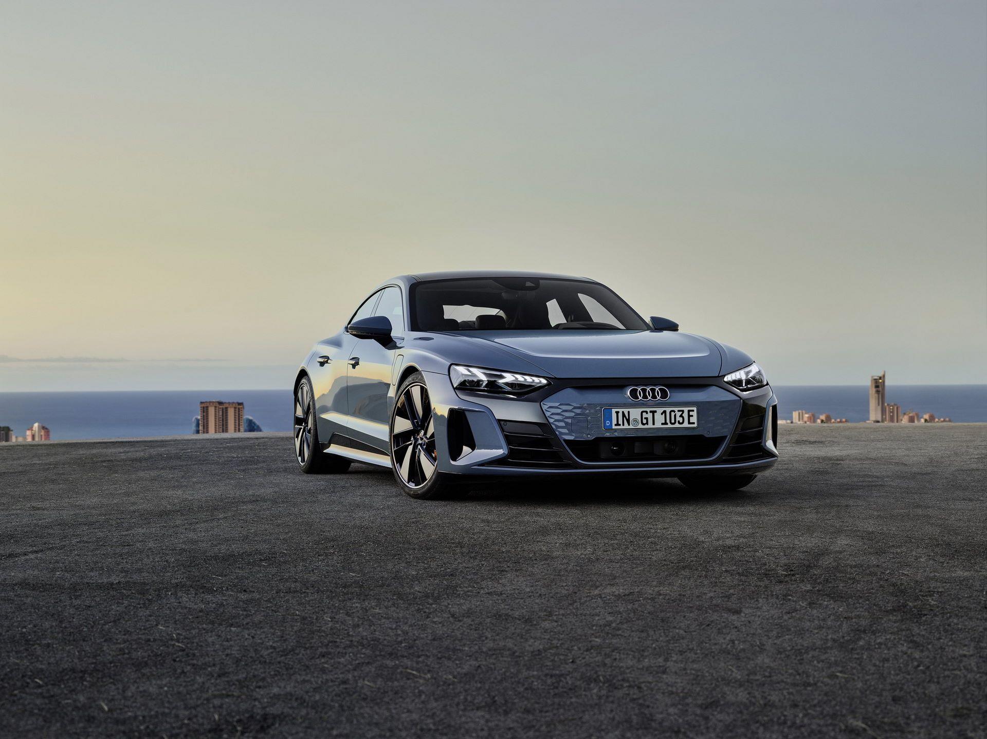 Audi-e-tron-GT-RS-12