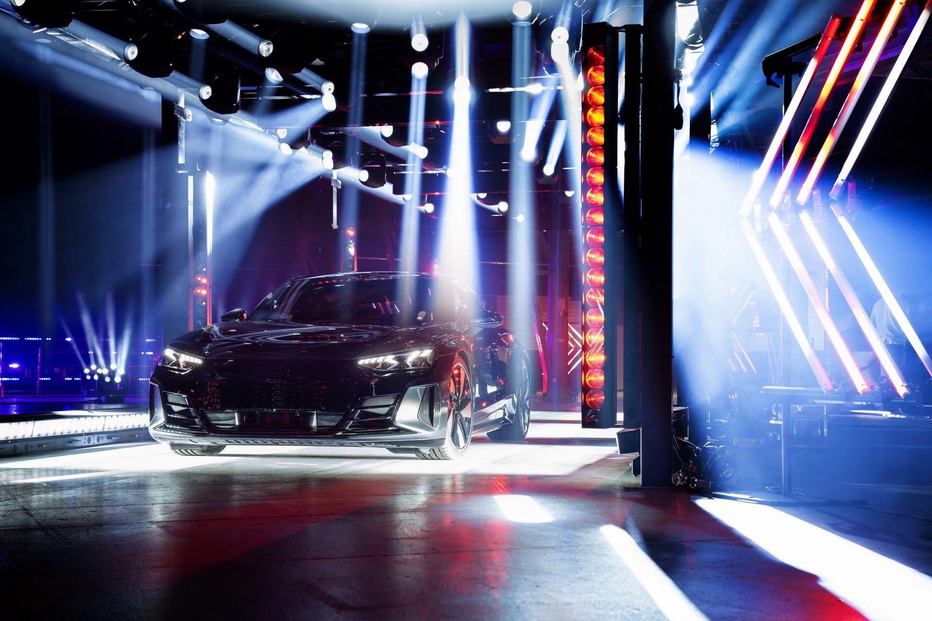 Audi-e-tron-GT-RS-15