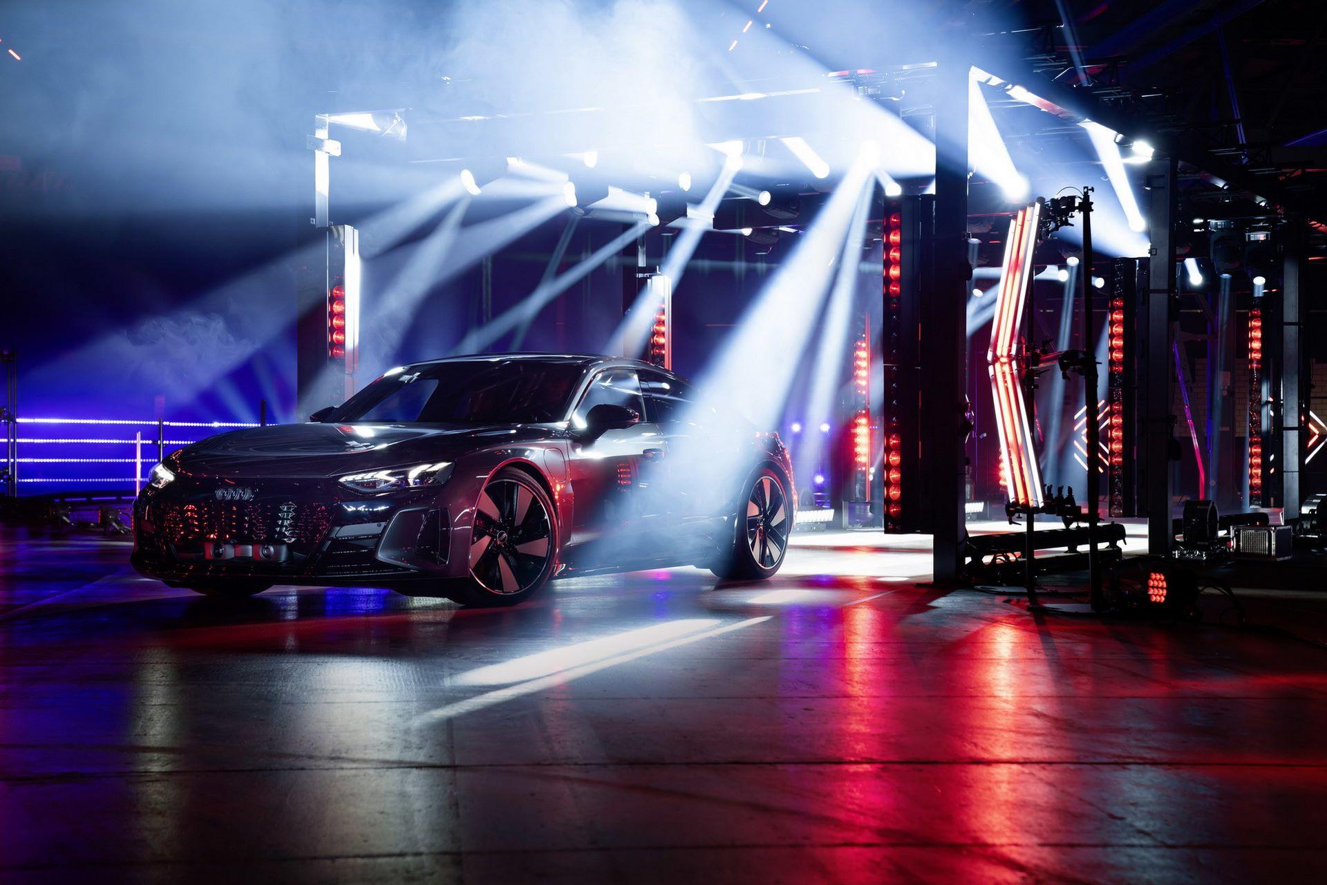 Audi-e-tron-GT-RS-17