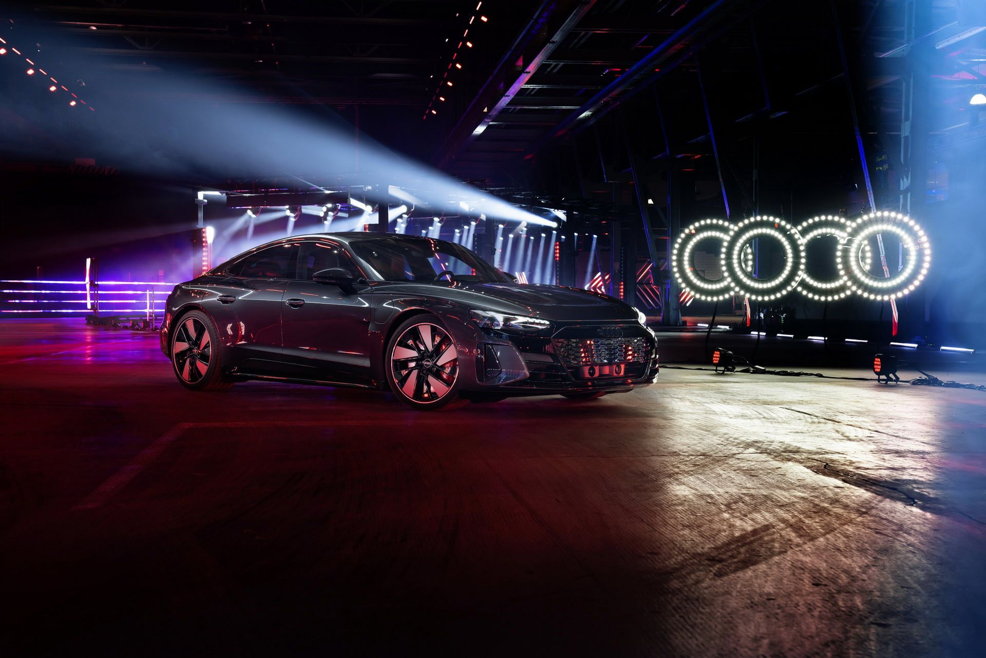 Audi-e-tron-GT-RS-18