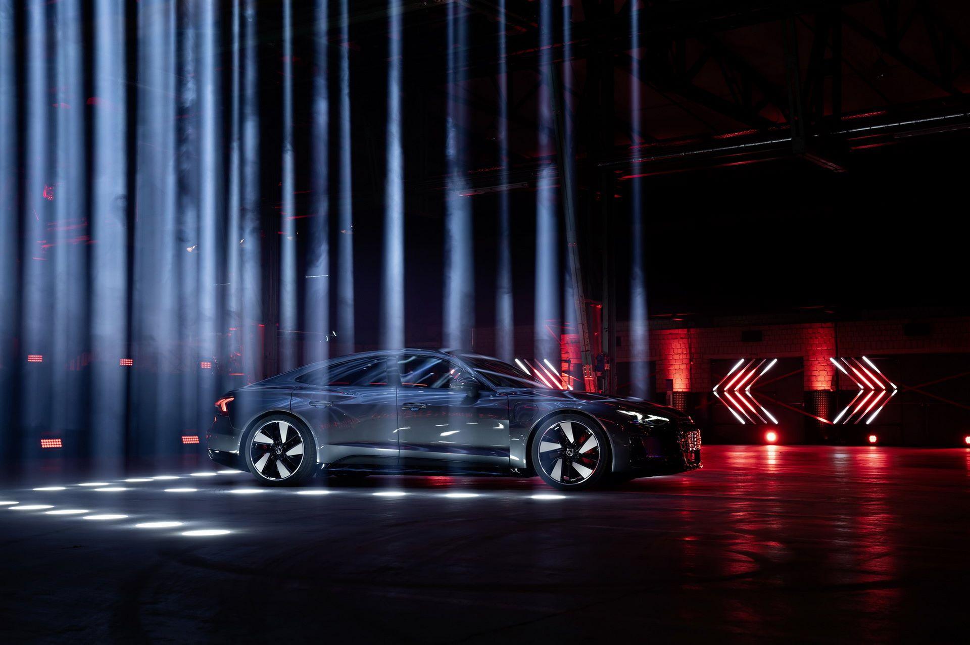 Audi-e-tron-GT-RS-19