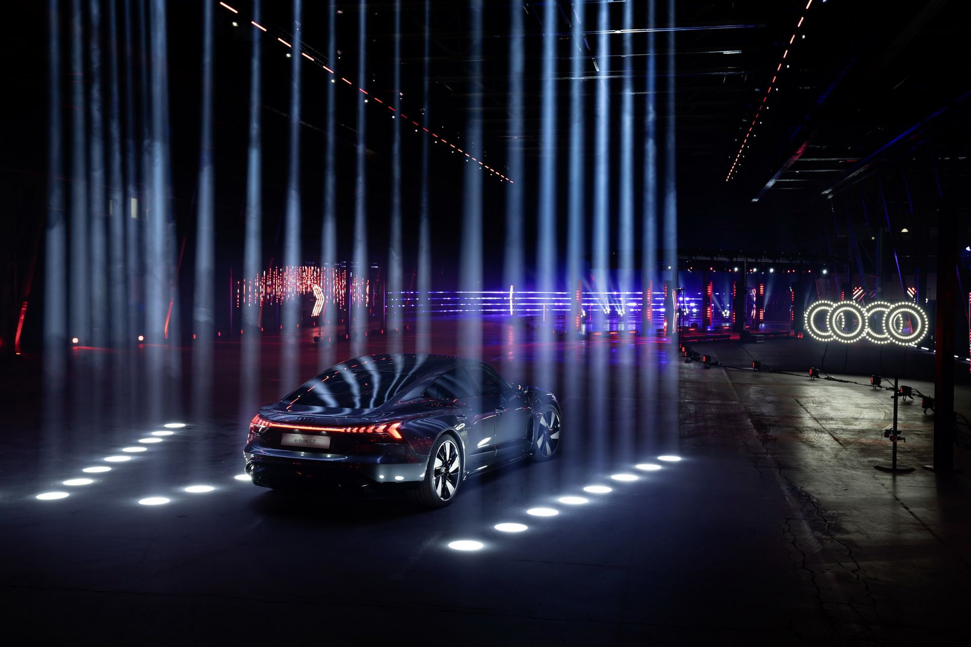 Audi-e-tron-GT-RS-20
