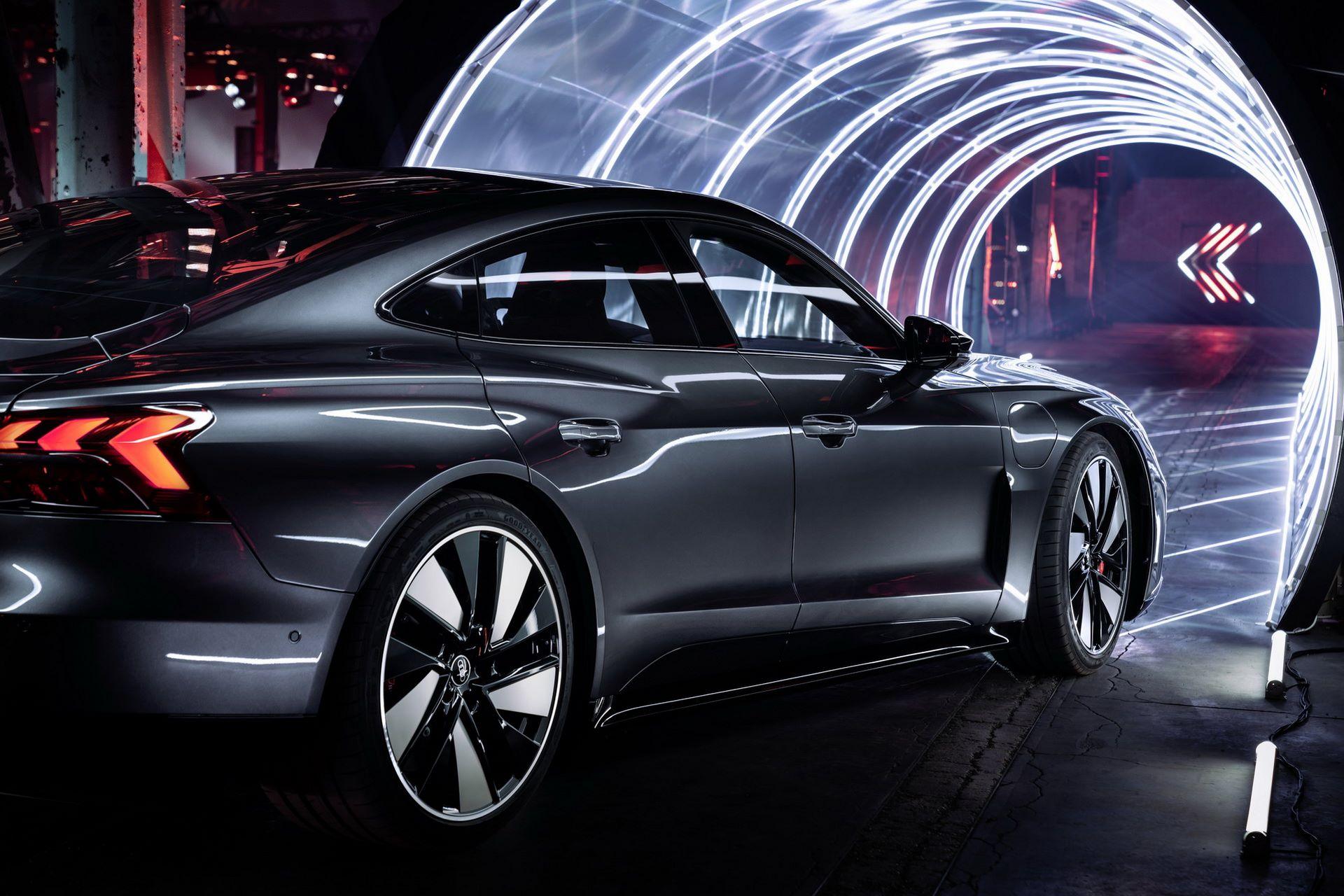 Audi-e-tron-GT-RS-29
