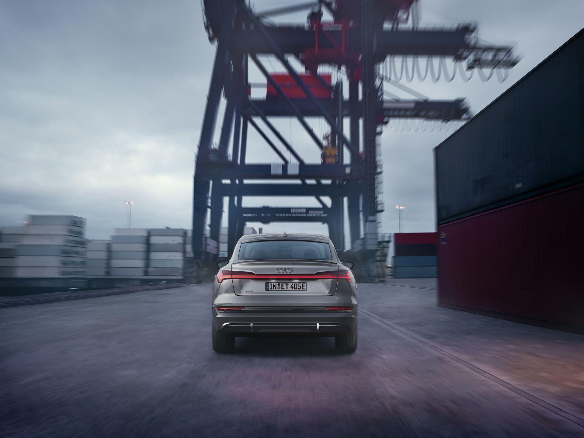 Audi-E-Tron-S-Line-Black-Edition-15