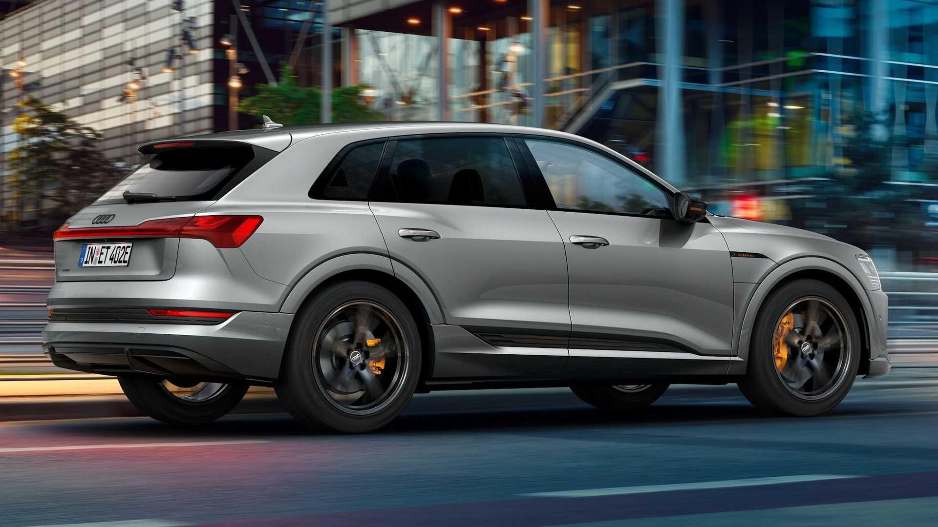 Audi-E-Tron-S-Line-Black-Edition-2