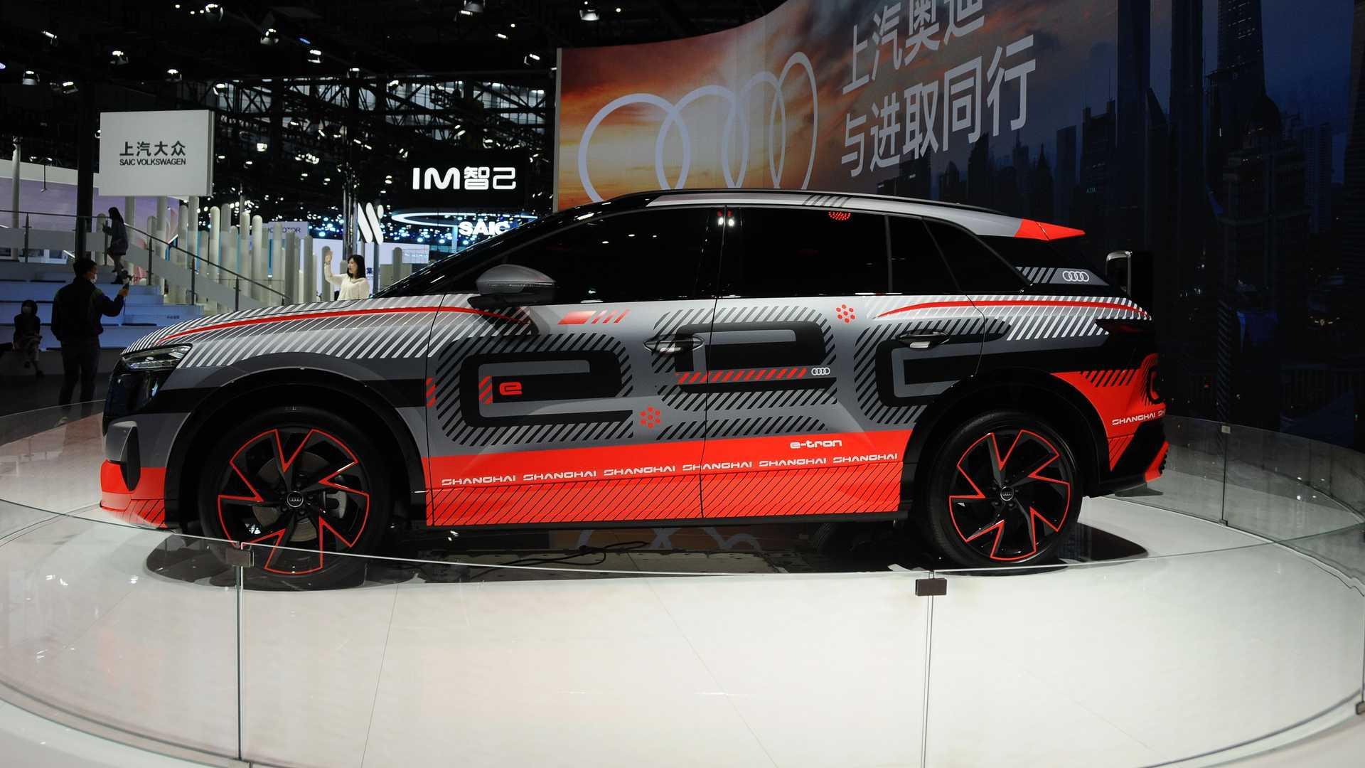 Audi-Electric-SUV-4