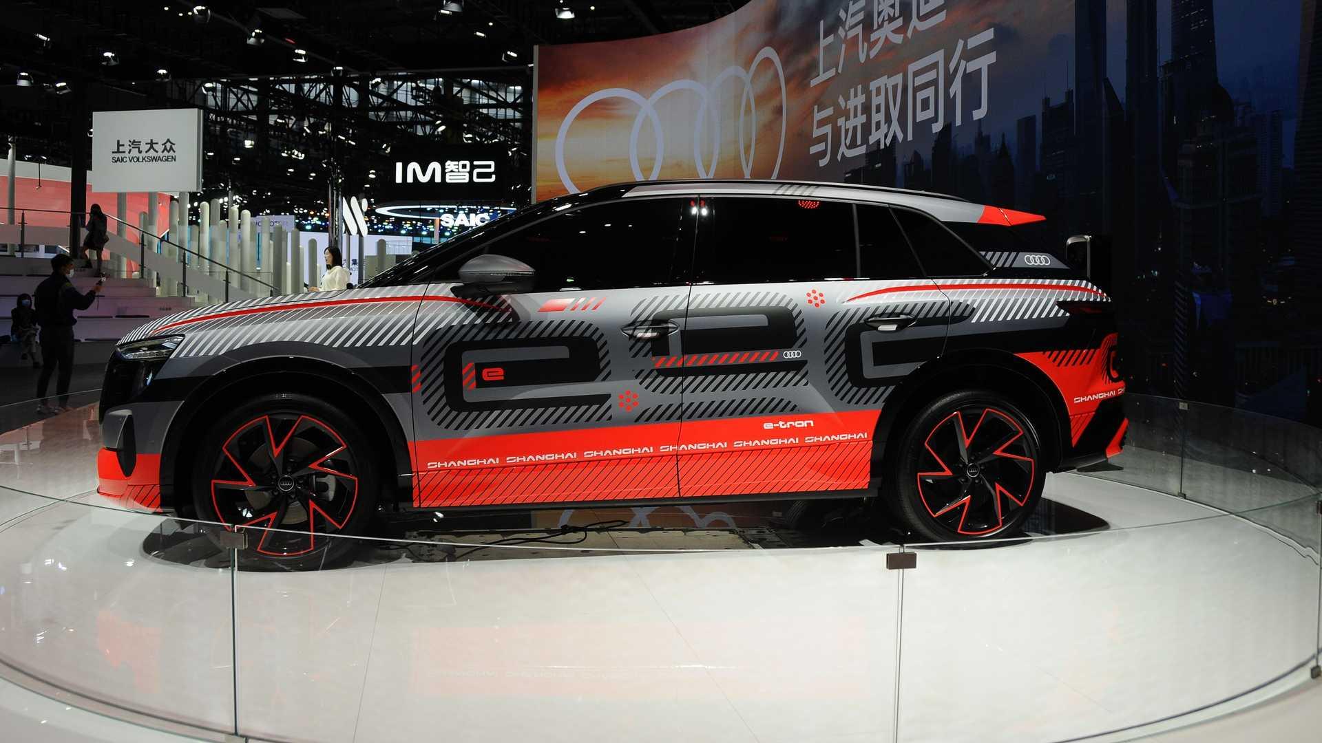 Audi-Electric-SUV-5