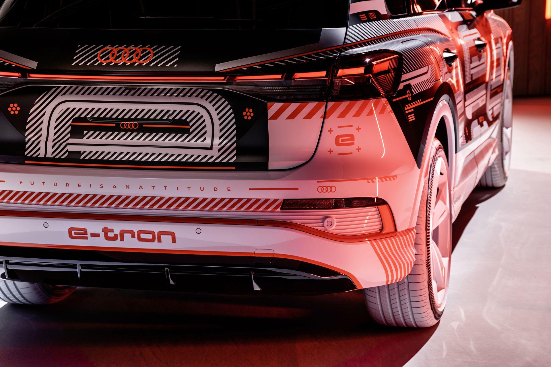 Audi-Q4-E-Tron-10