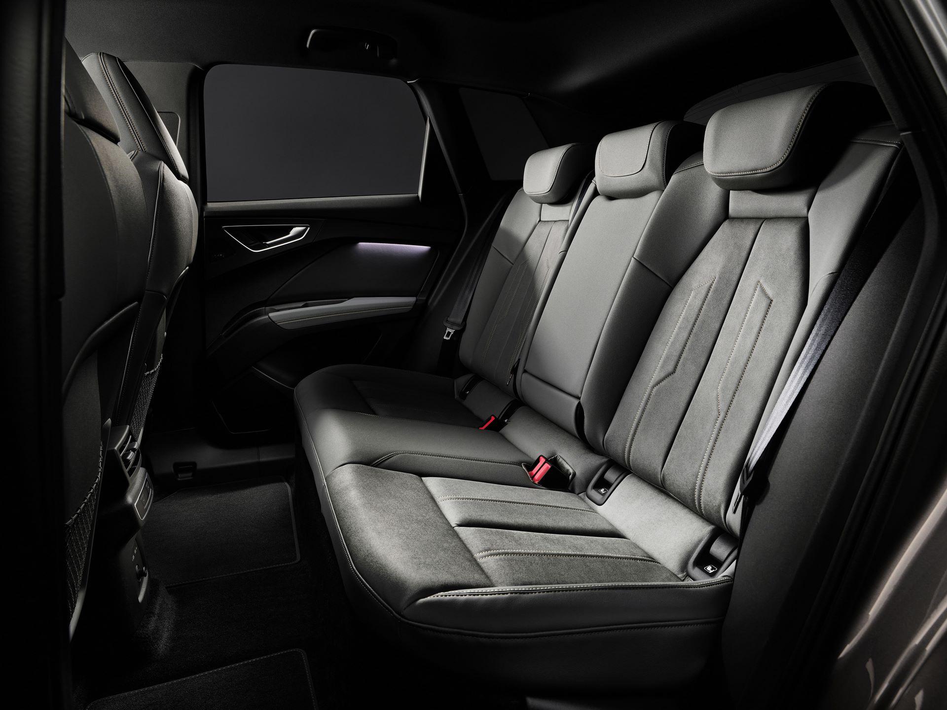 Audi-Q4-E-Tron-128
