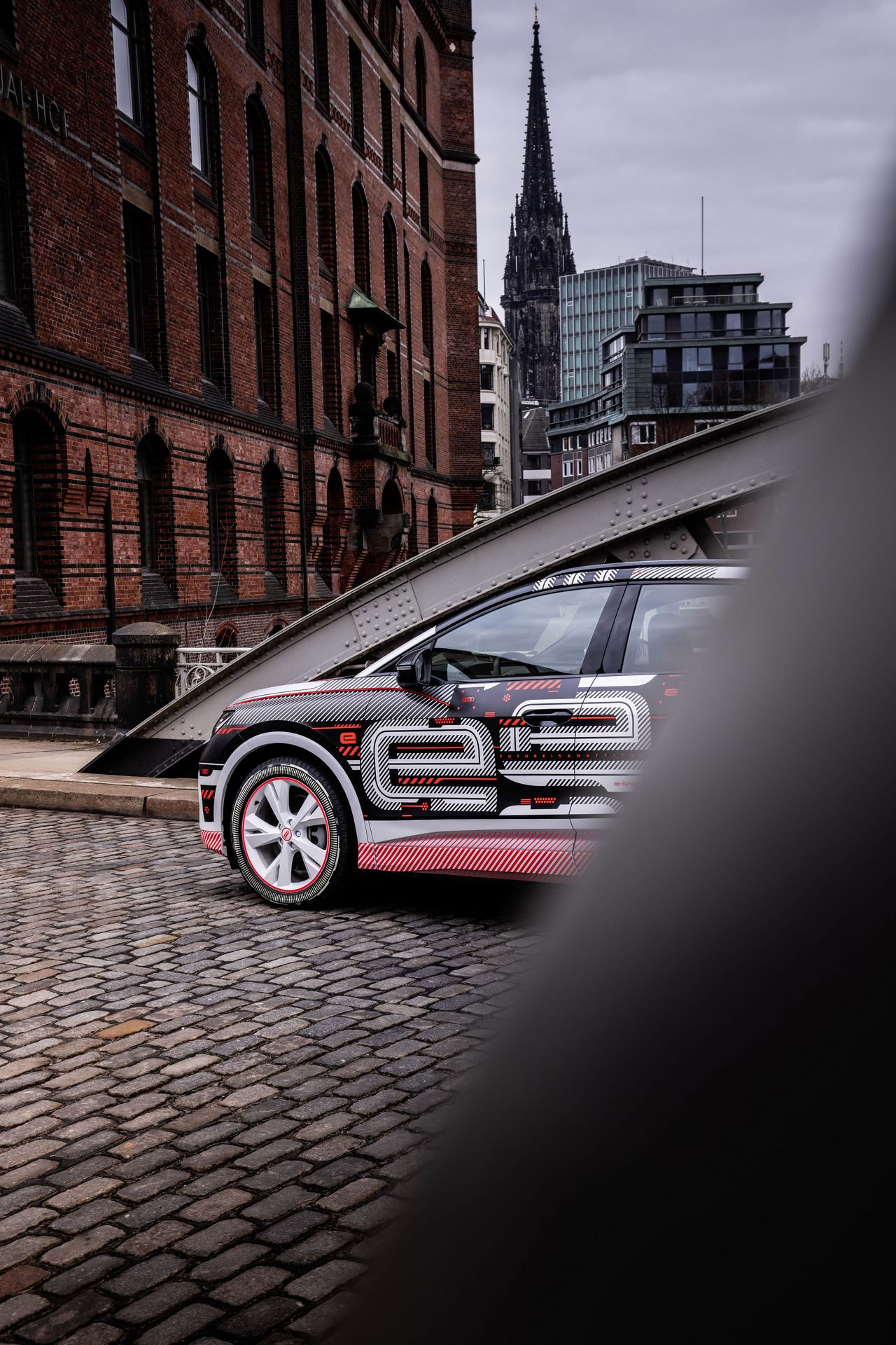 Audi-Q4-E-Tron-18