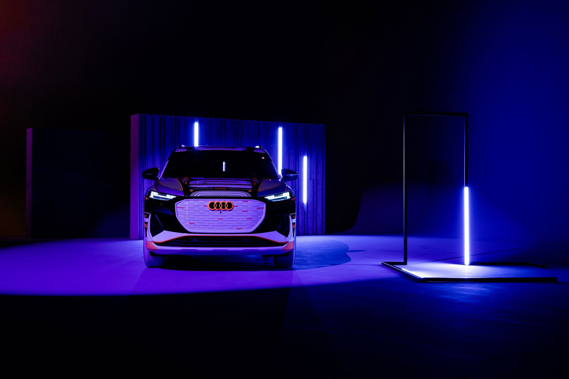 Audi-Q4-E-Tron-53