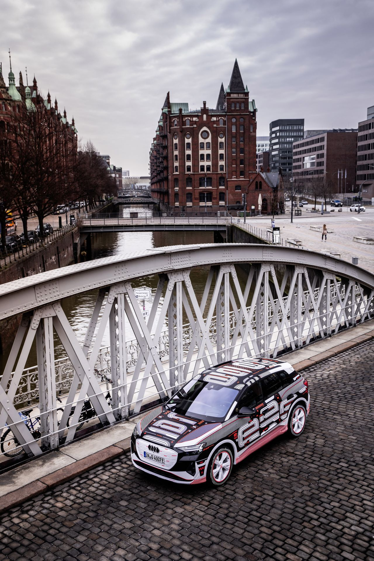Audi-Q4-E-Tron-77