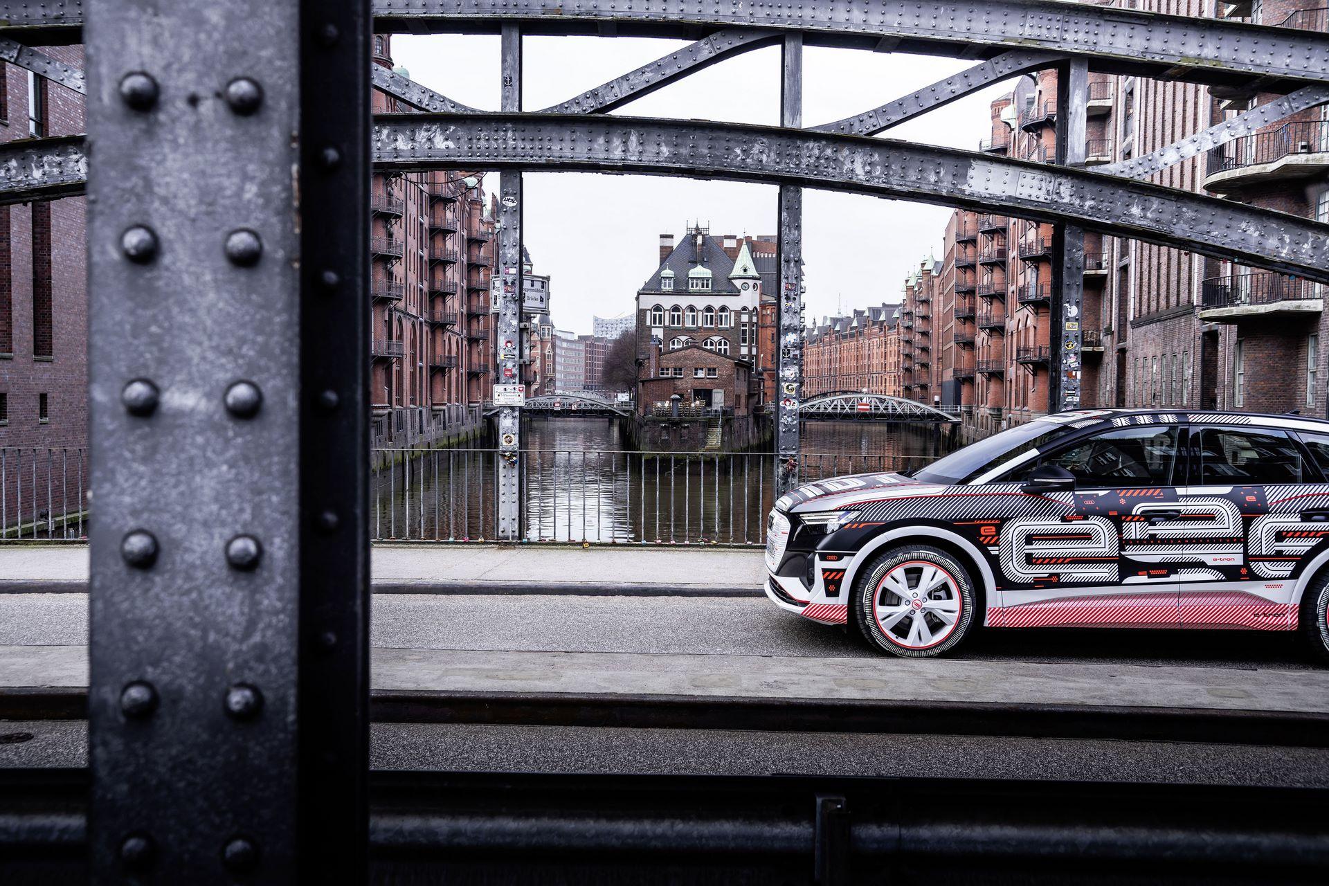 Audi-Q4-E-Tron-85