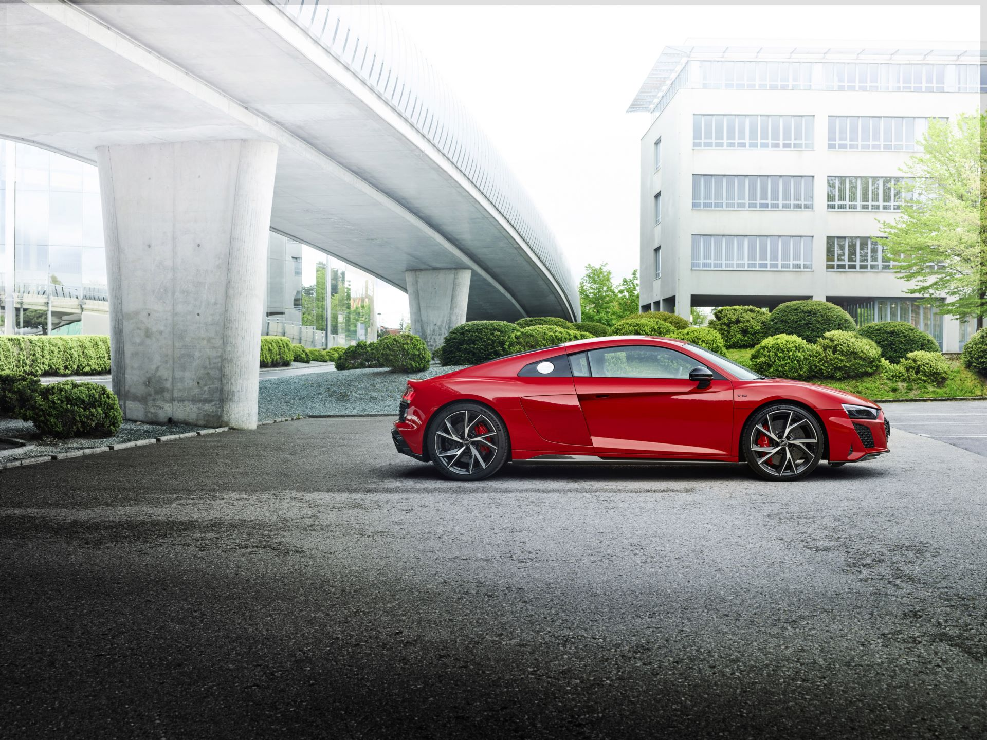 Audi-R8-V10-Performance-RWD-10
